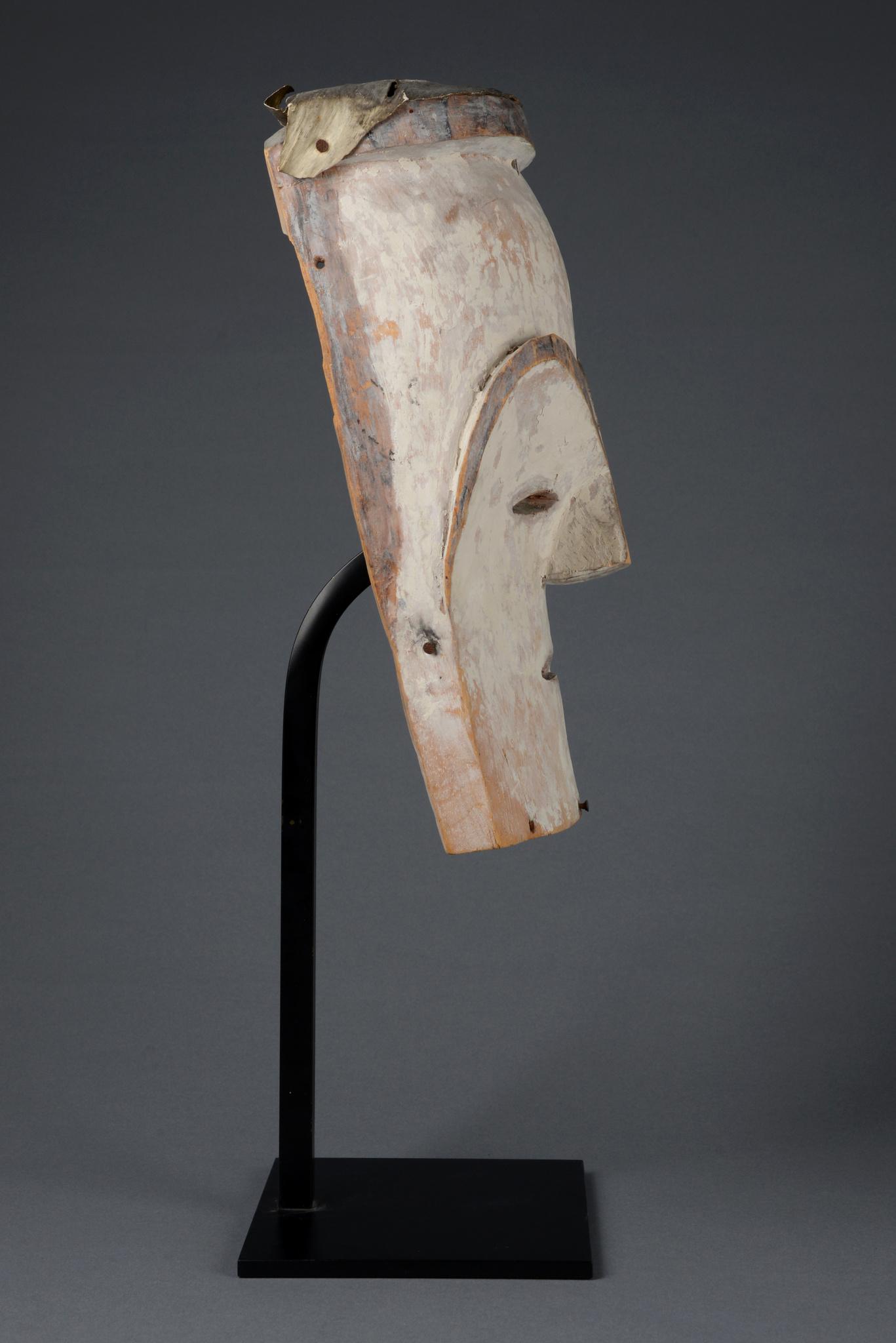 """Ancestor mask """"moghondzi"""""""