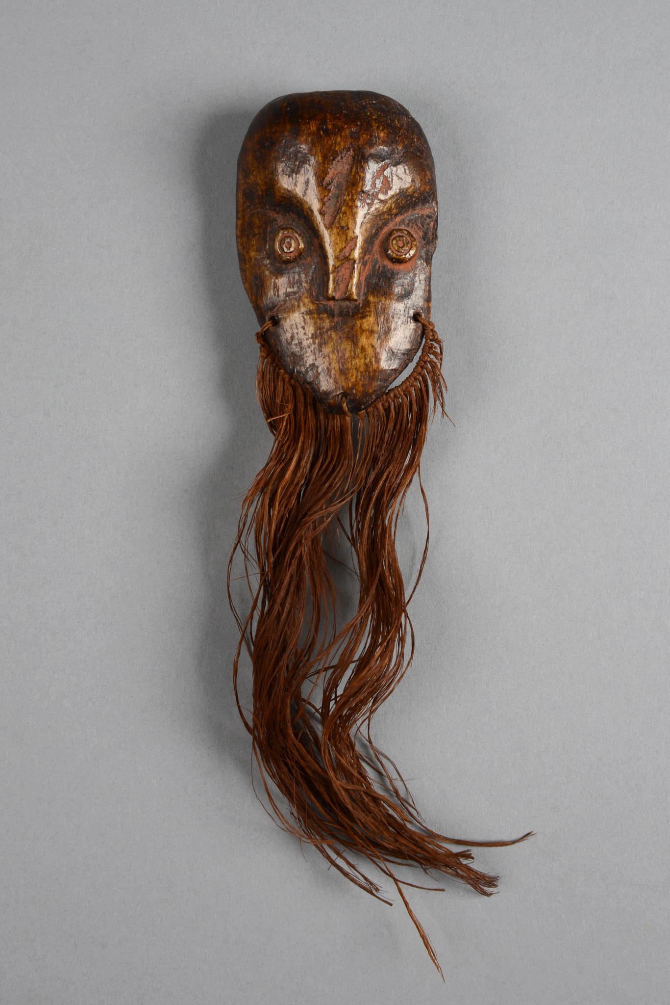 """Miniature mask """"lukwakongo"""""""