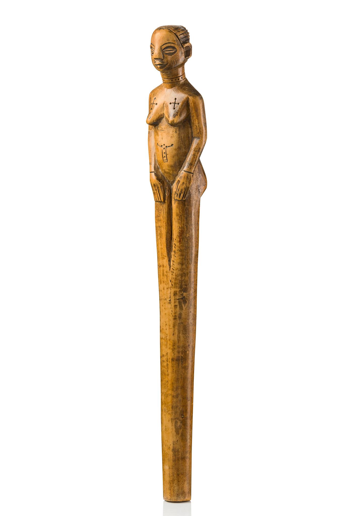 Bâton figuratif sculpté