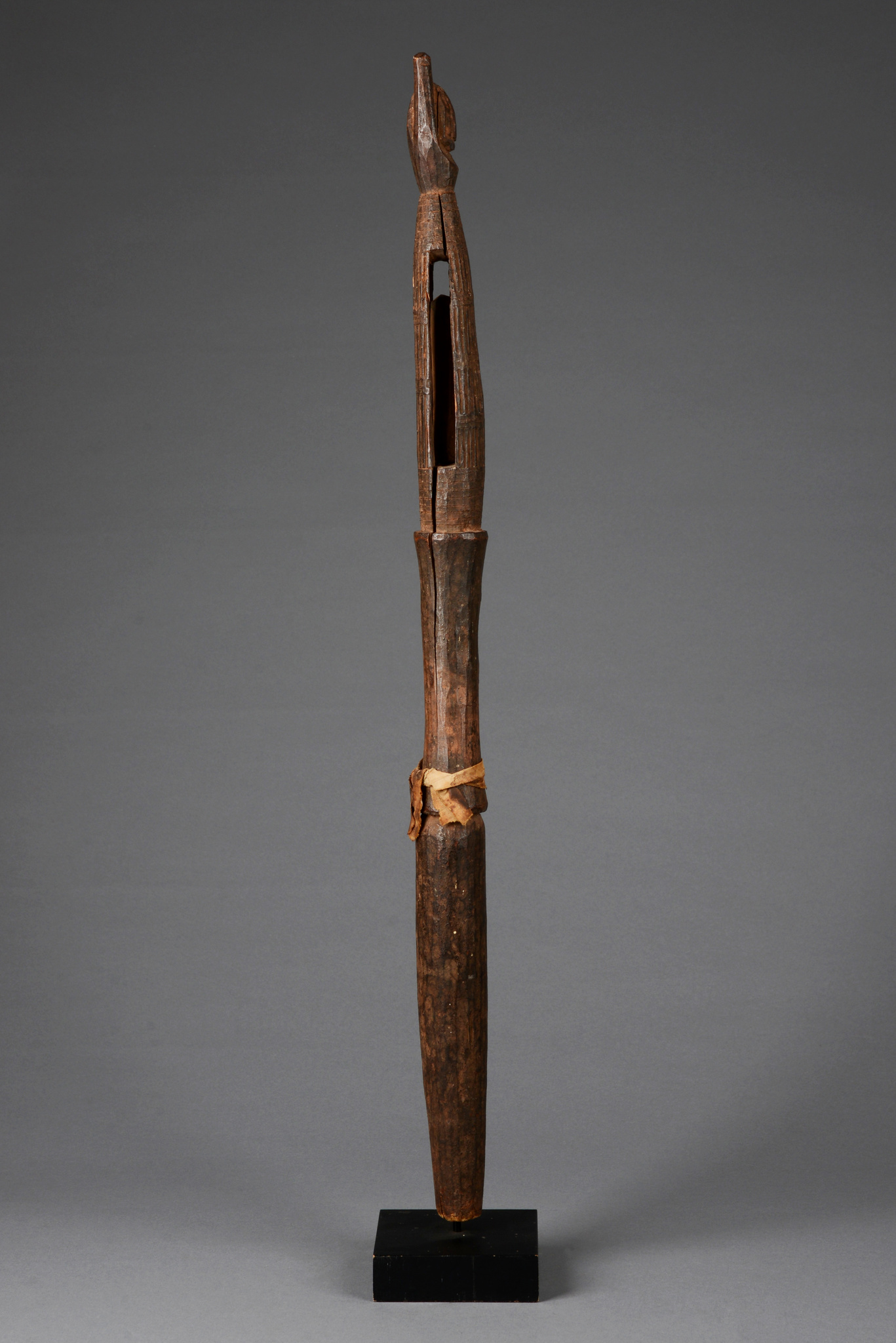 "Rattle staff ""ukhurhe"""