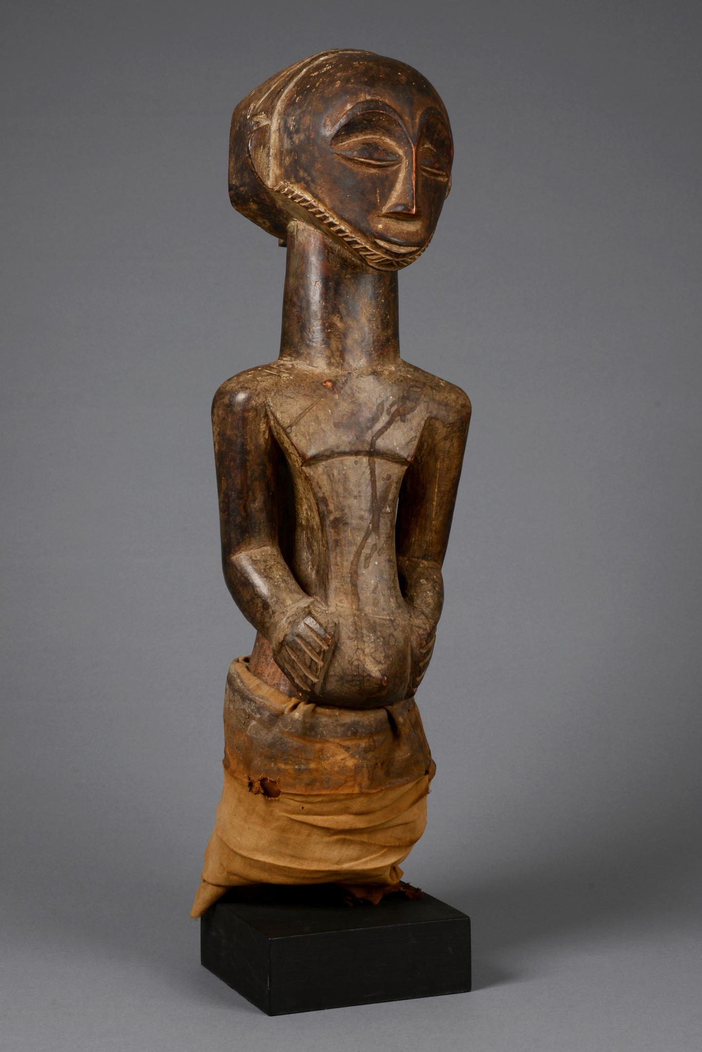 """Male ancestor figure """"singiti"""""""