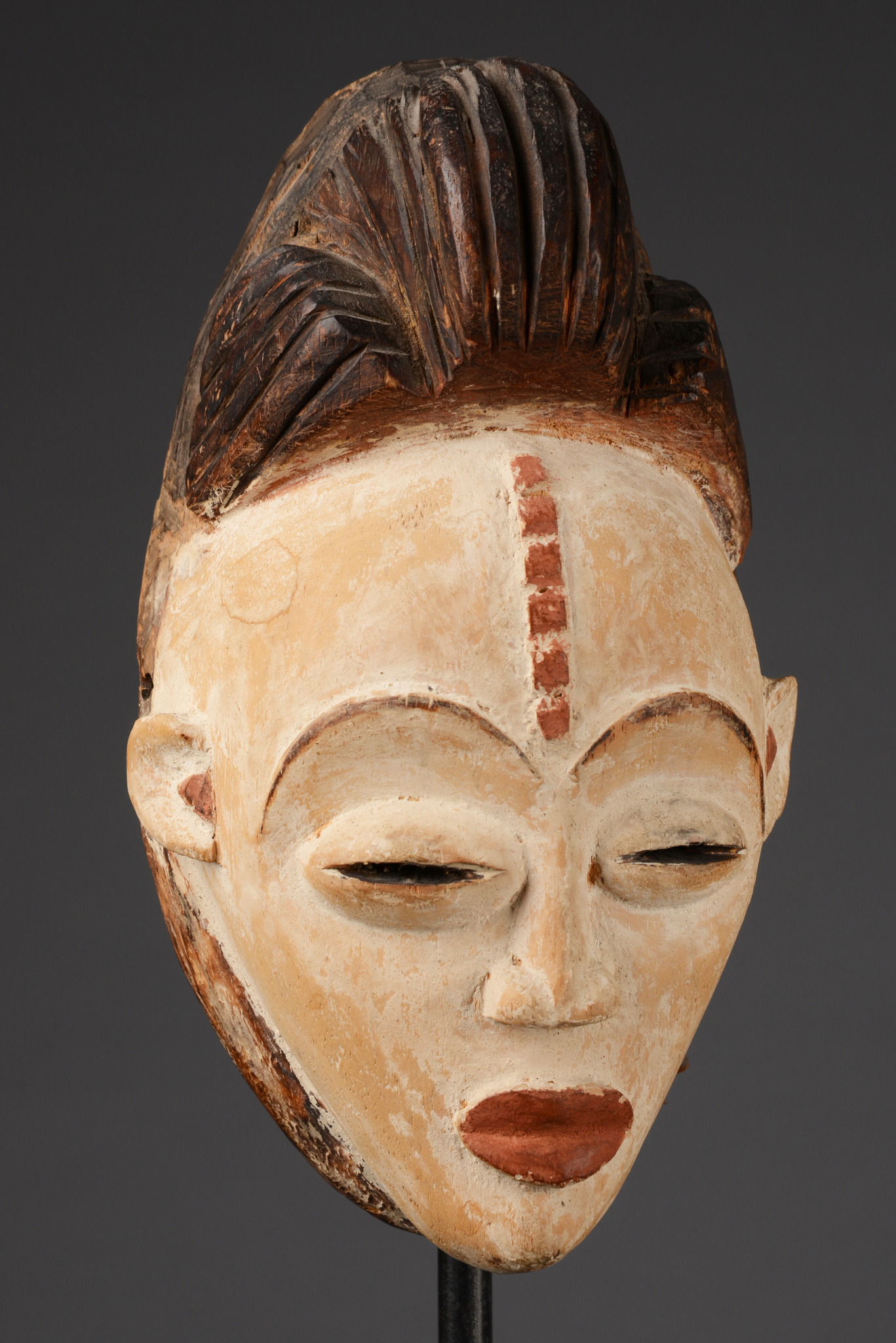 "Small face mask ""okuyi"" or ""mukudji"""
