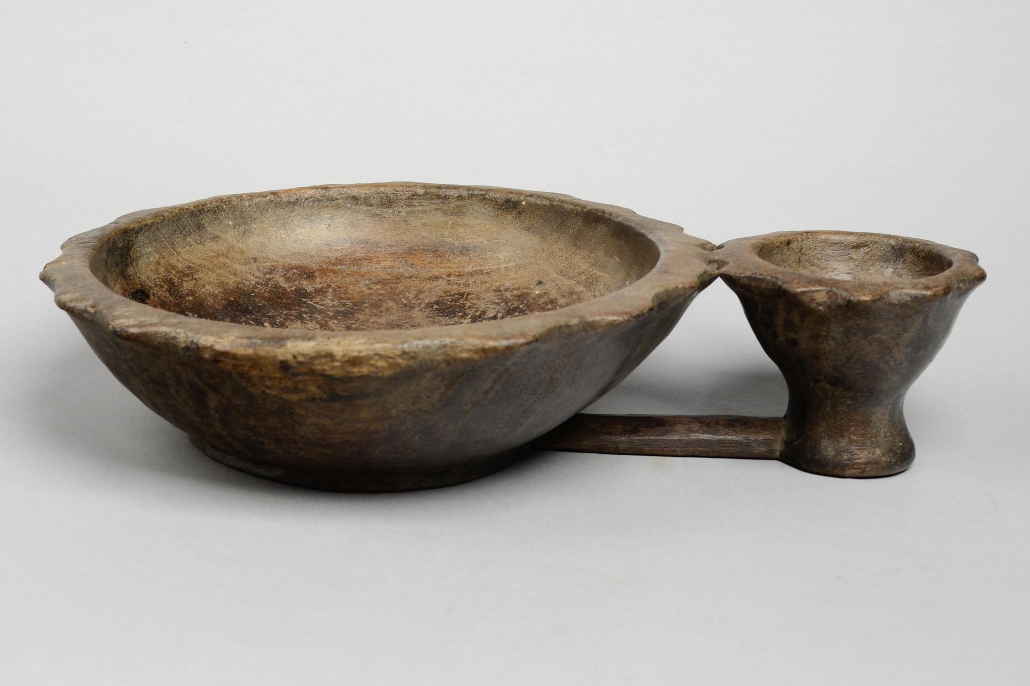 "Double-bowl ""bitangnge"""