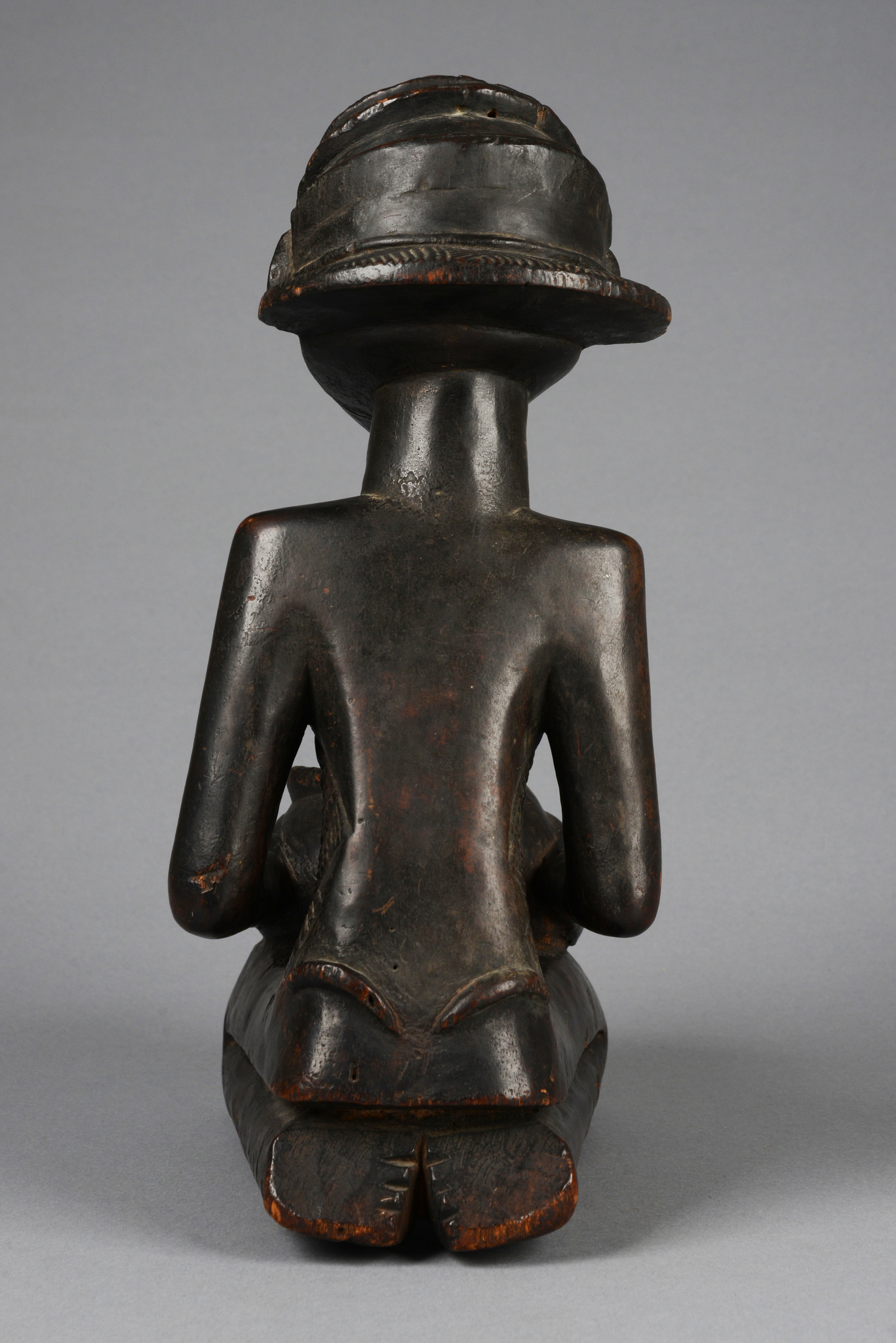 "Superb female bowl-bearing figure ""mboko"""