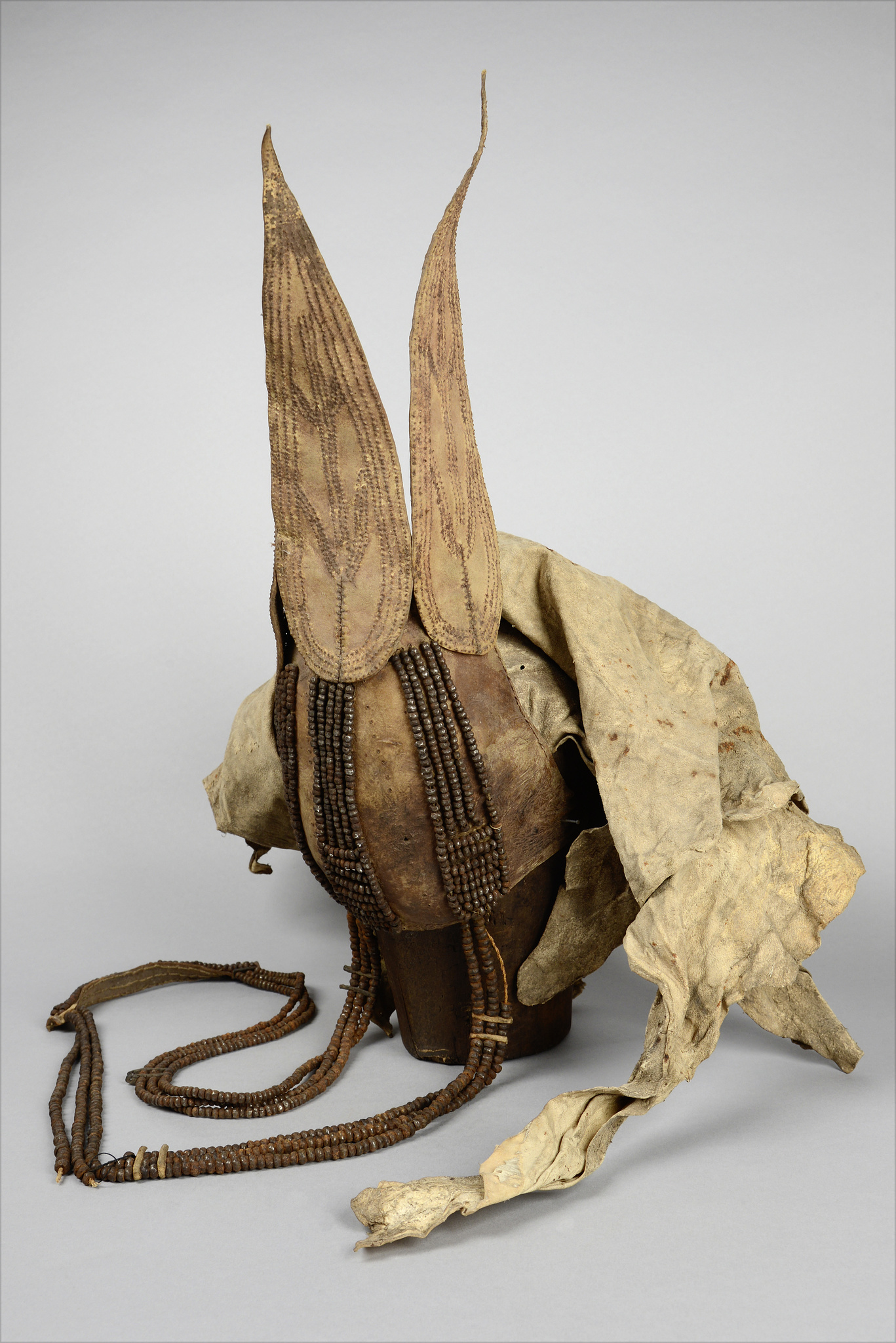 "Traditional women's headdress ""ekori"""