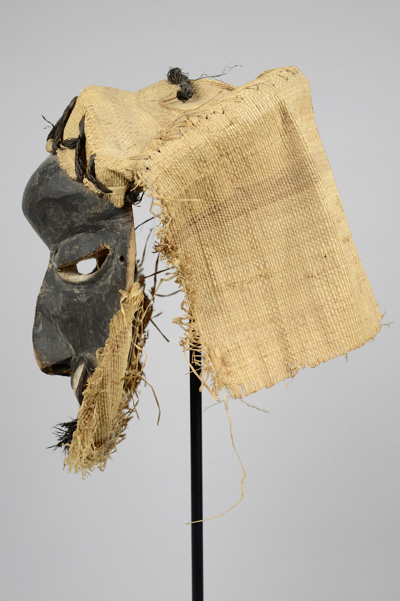 "Sickness mask ""mbangu"""