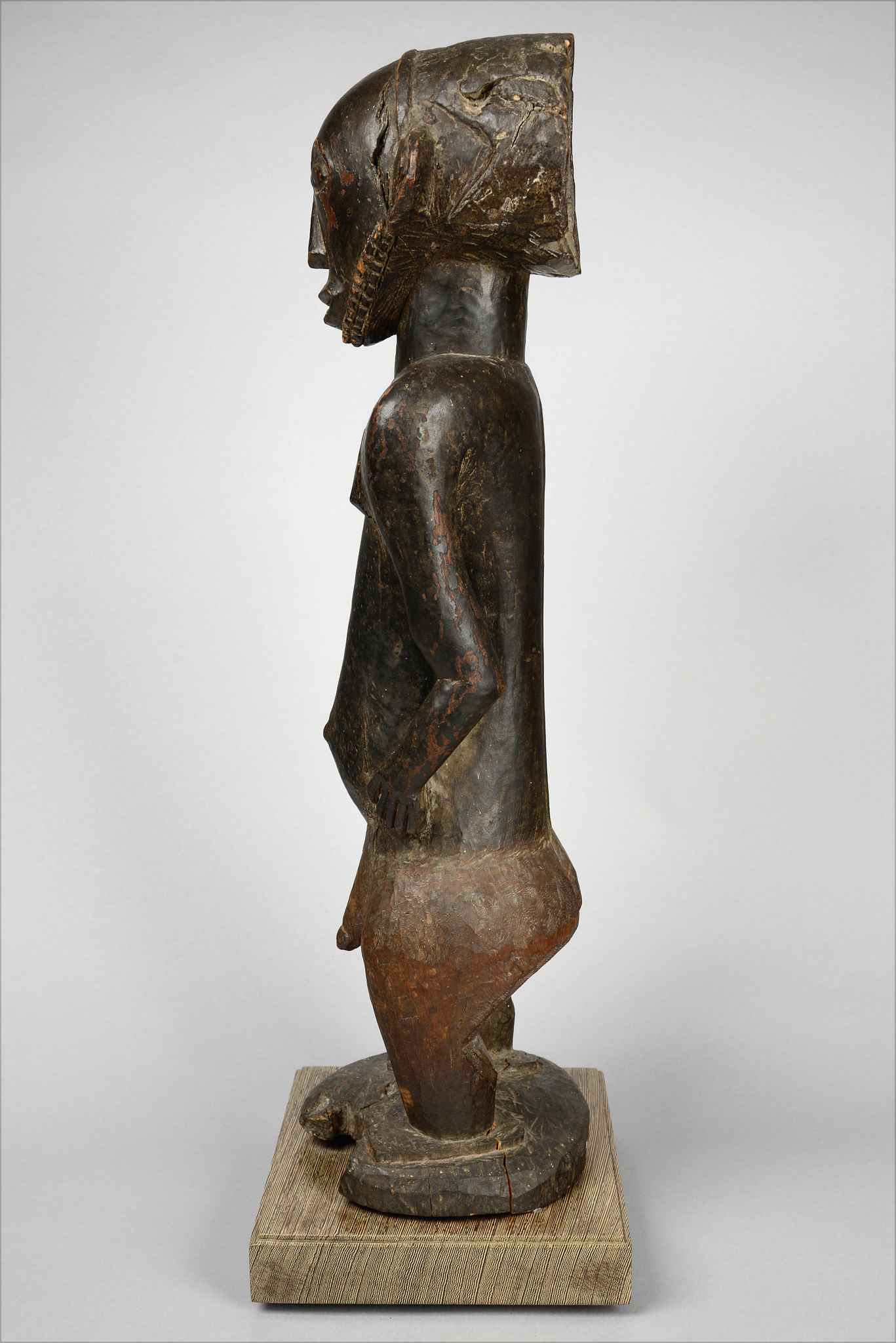 "Male ancestor figure ""singiti"""