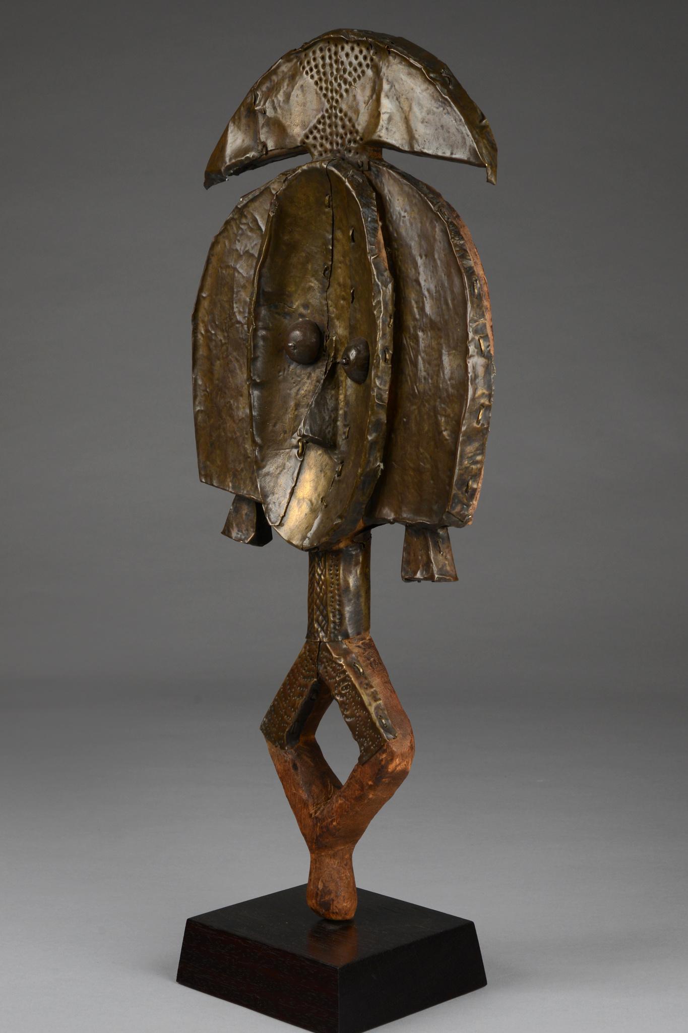 "Reliquary guardian figure ""mbulu-ngulu"""