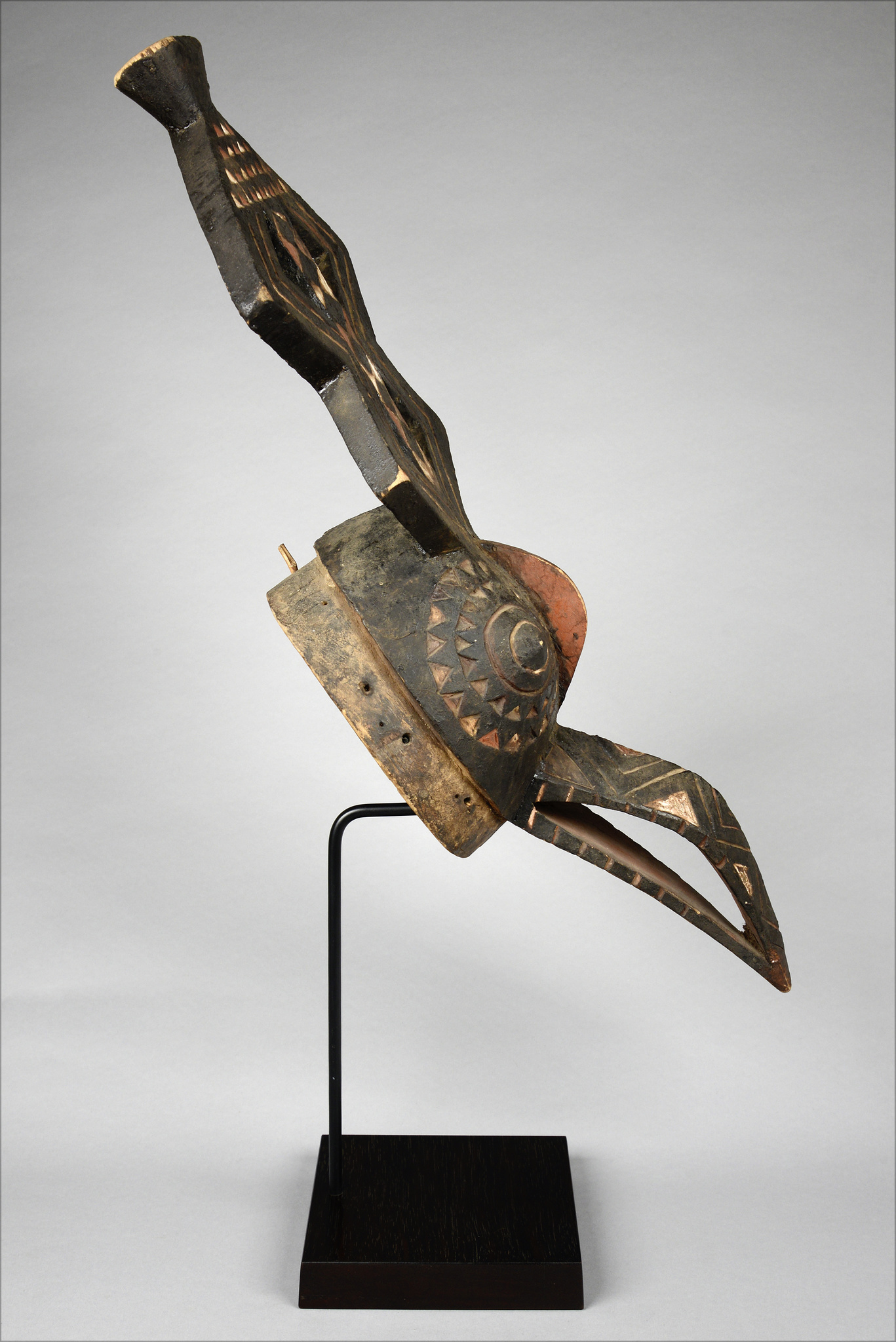 Hornbill mask with superstructure