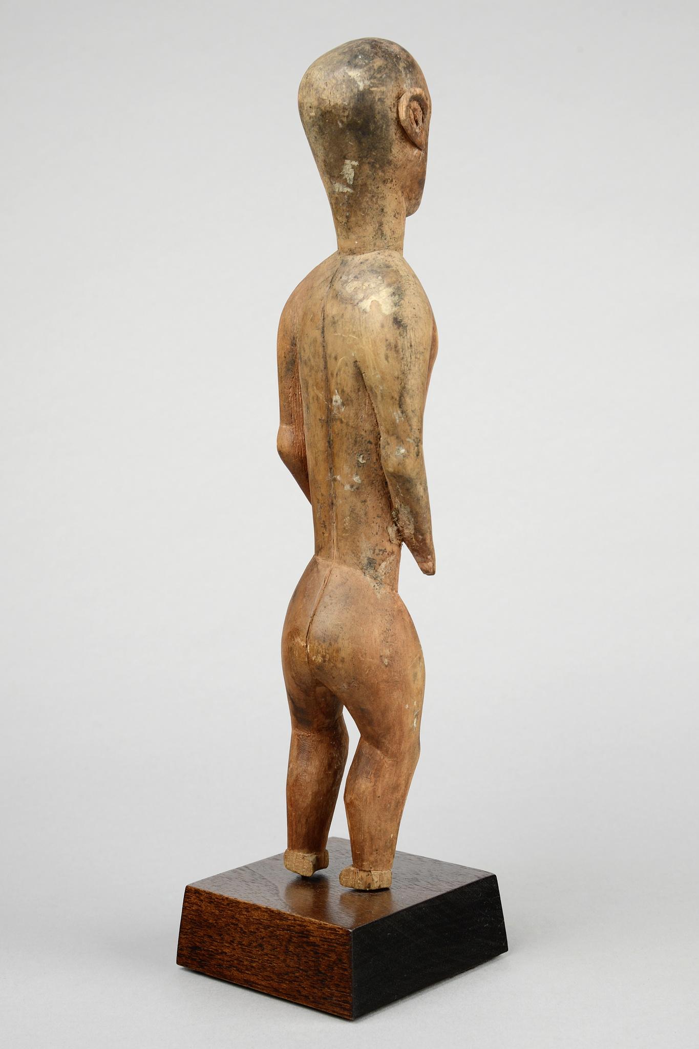 "Figure d'ancêtre masculin debout ""gheonga"""