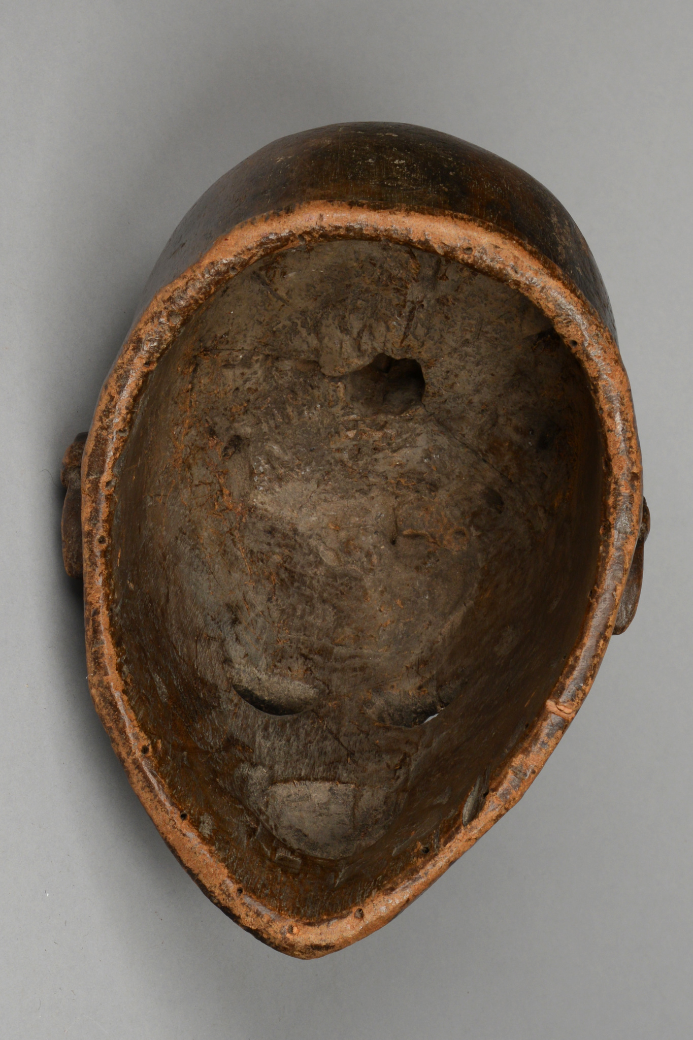 Anthropomorphic helmet mask