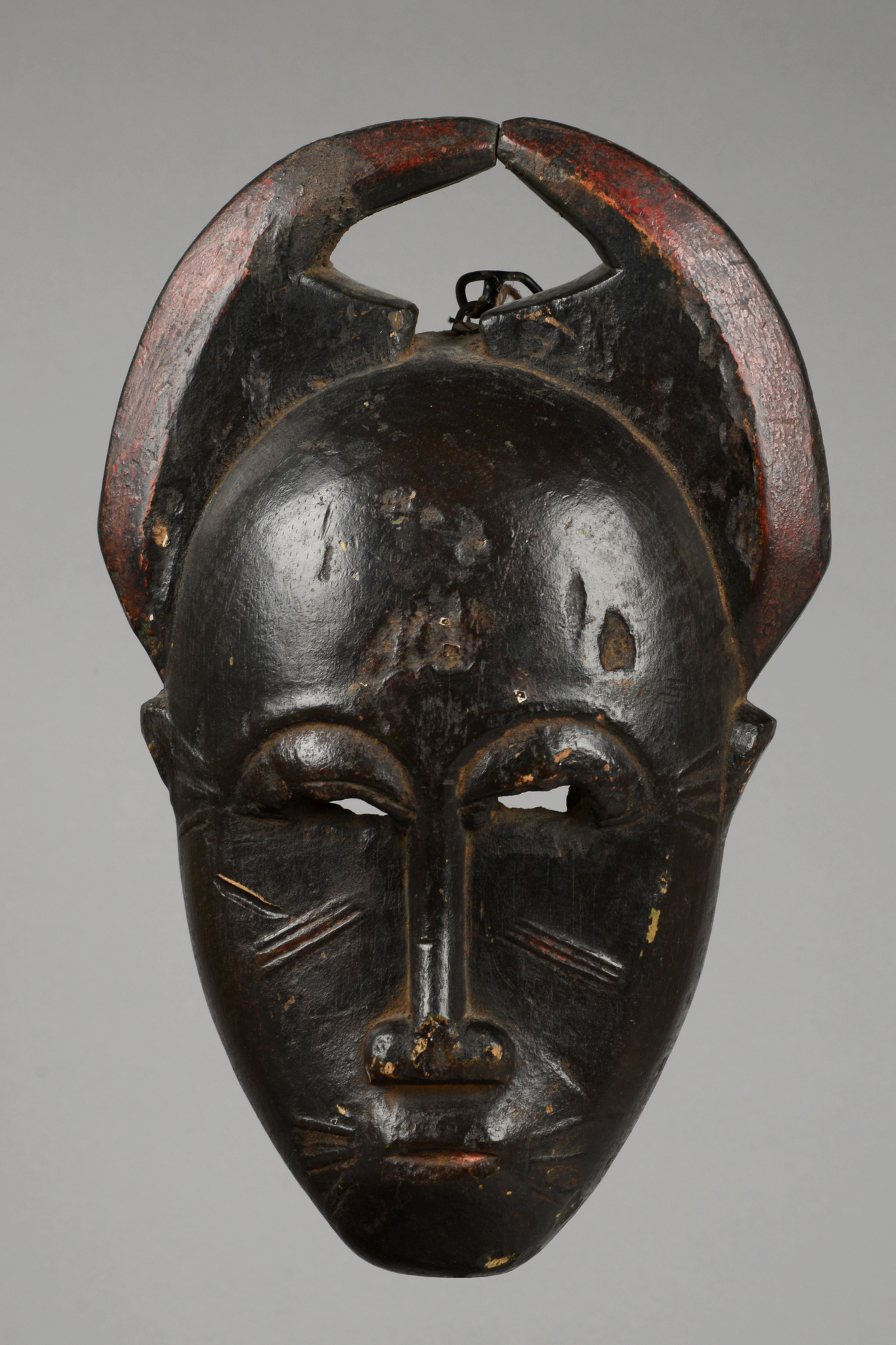 Anthropo-/ zoomorphic face mask