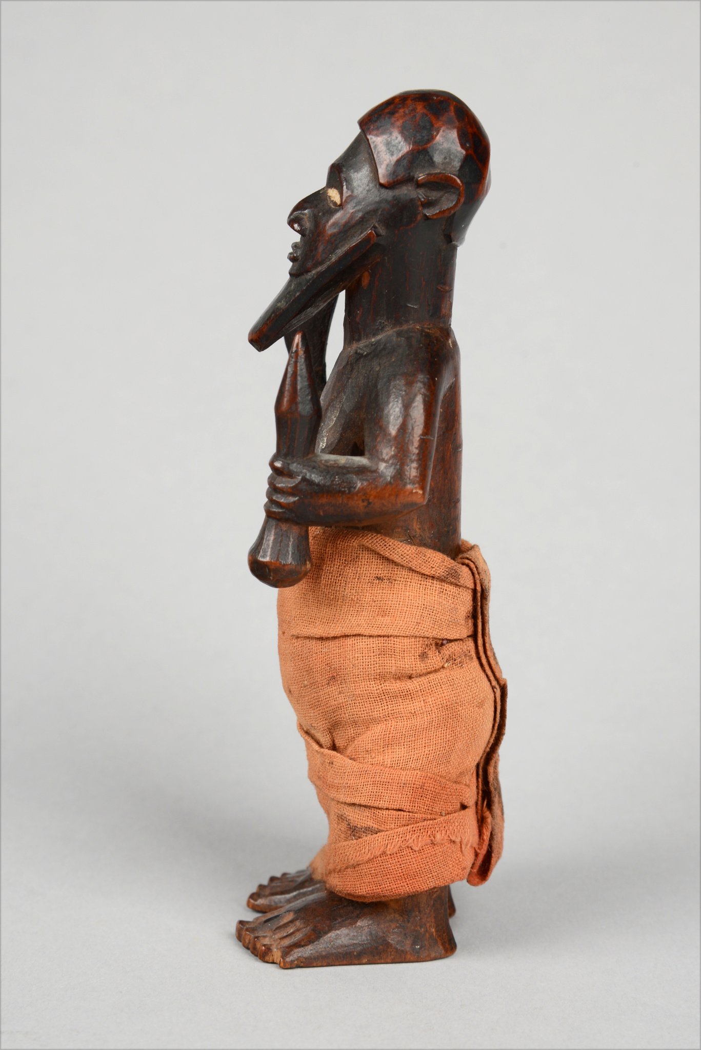 "Standing male figure ""mukuya"""