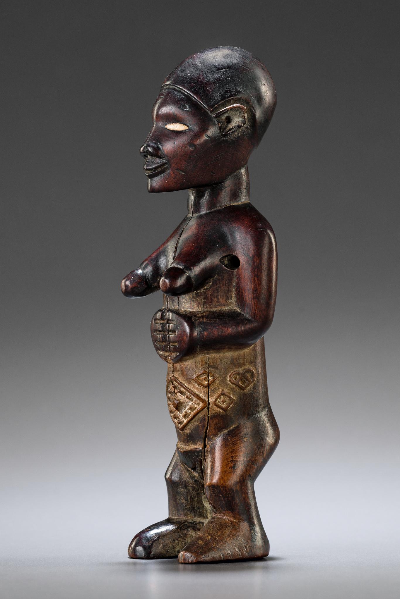 """Standing female figure """"mukuya"""""""