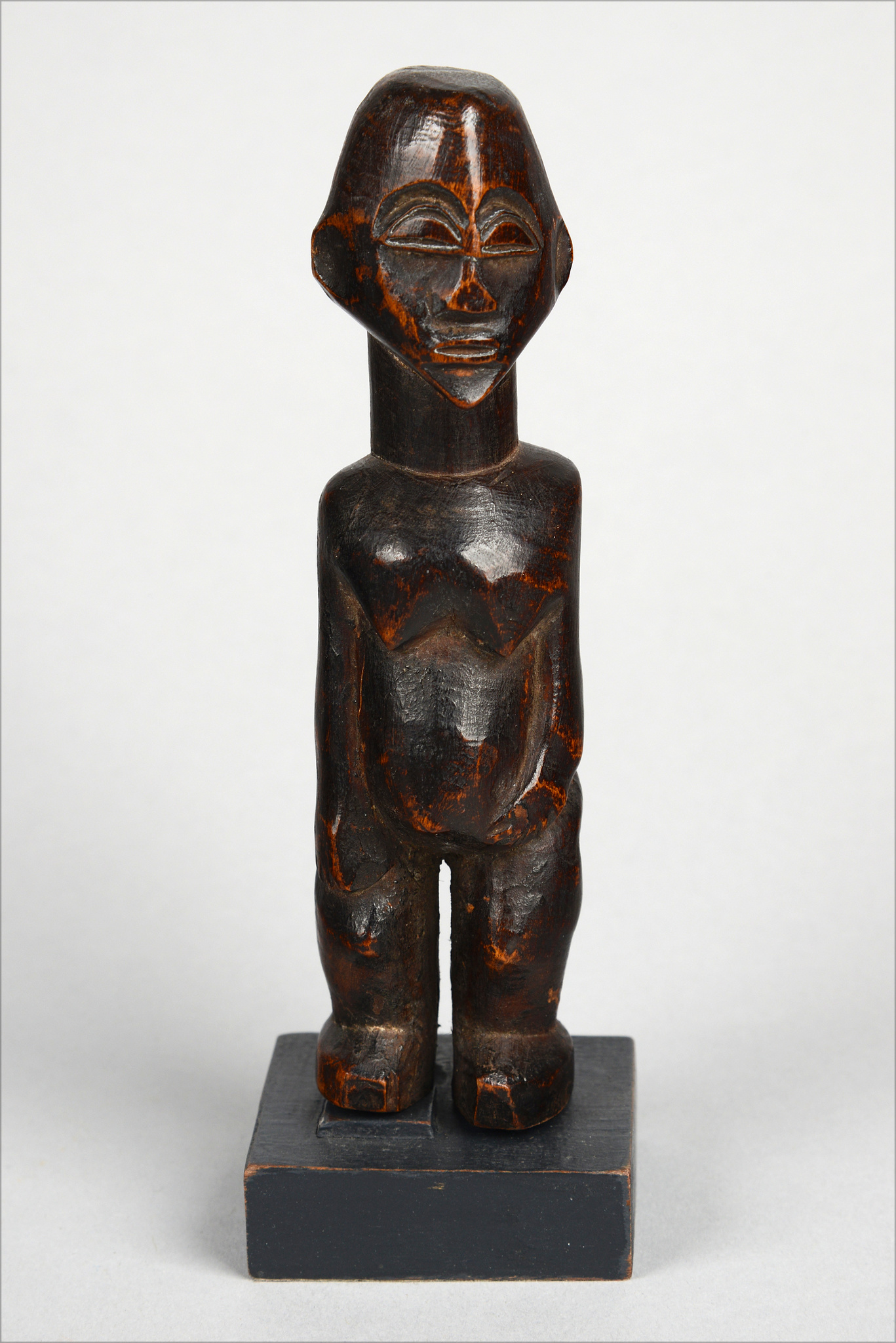 "Female miniature figure ""bateba"""