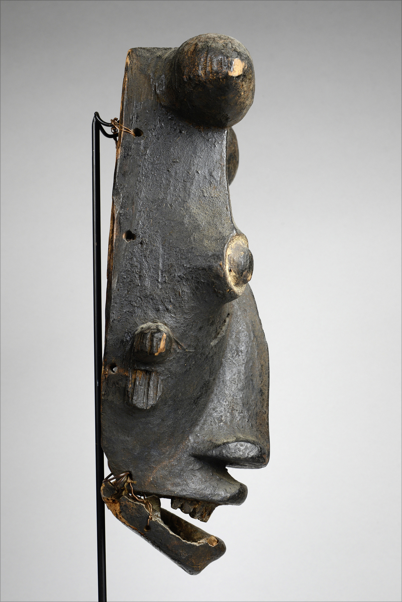 """Mask with articulated lower jaw """"karikpo"""""""