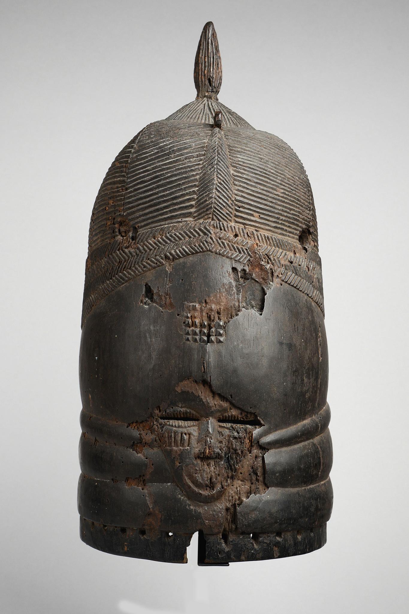 """Early helmet mask """"ndoli jowei"""""""