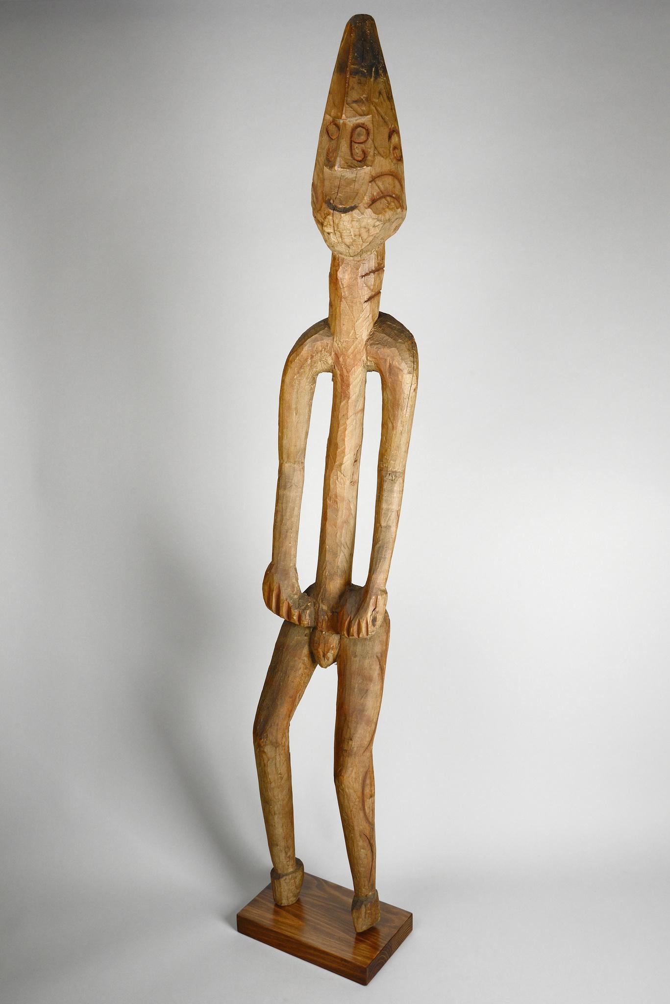 "Male ancestor figure ""kawe"""