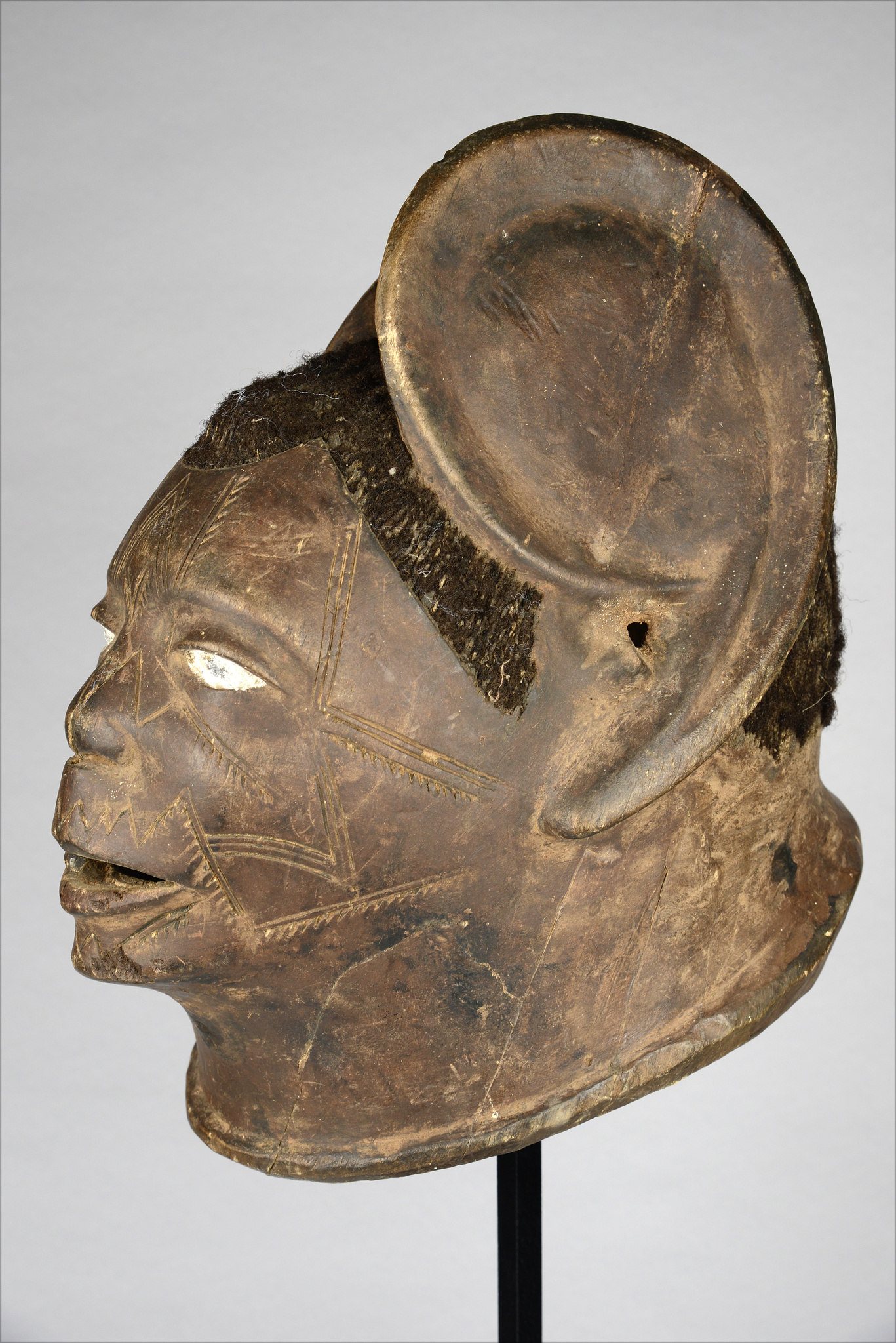 "Helmet mask ""lipiko"" with oversized ears"