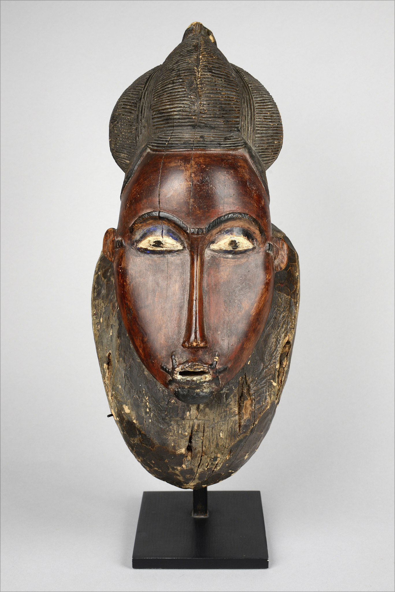 "Anthropomorphic face mask ""kpan"" of the ""goli"" group"