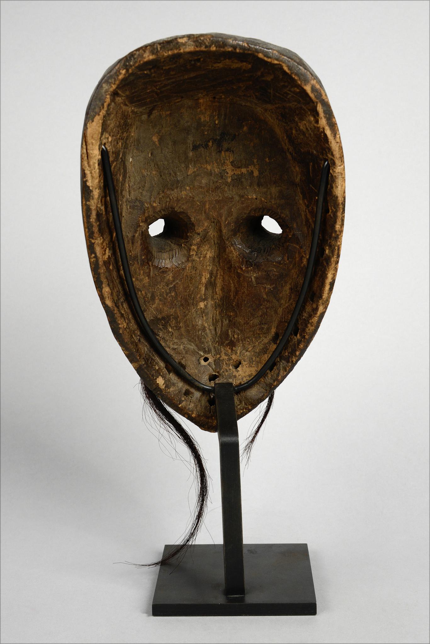 Maske mit Röhrenaugen