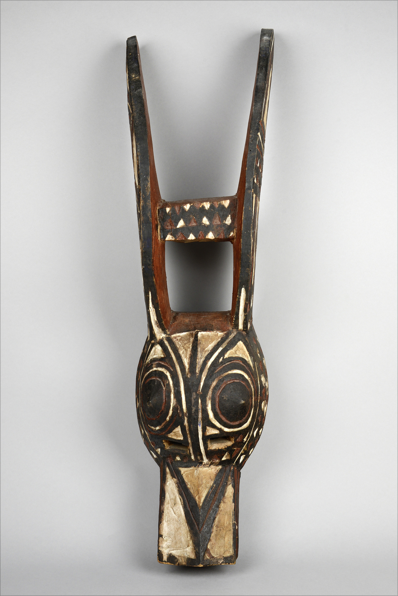 Zoomorphic mask