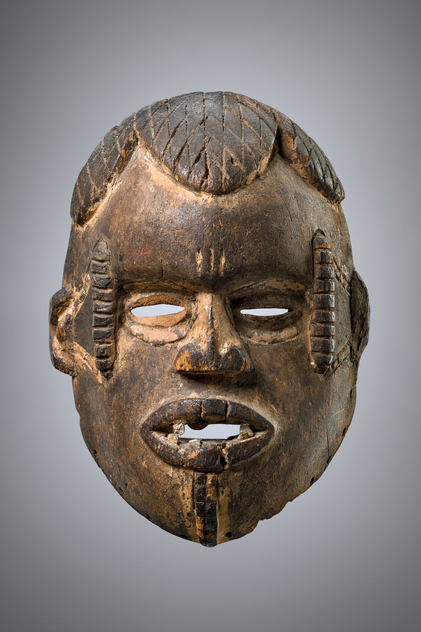 "Anthropomorphic face mask ""okua"""