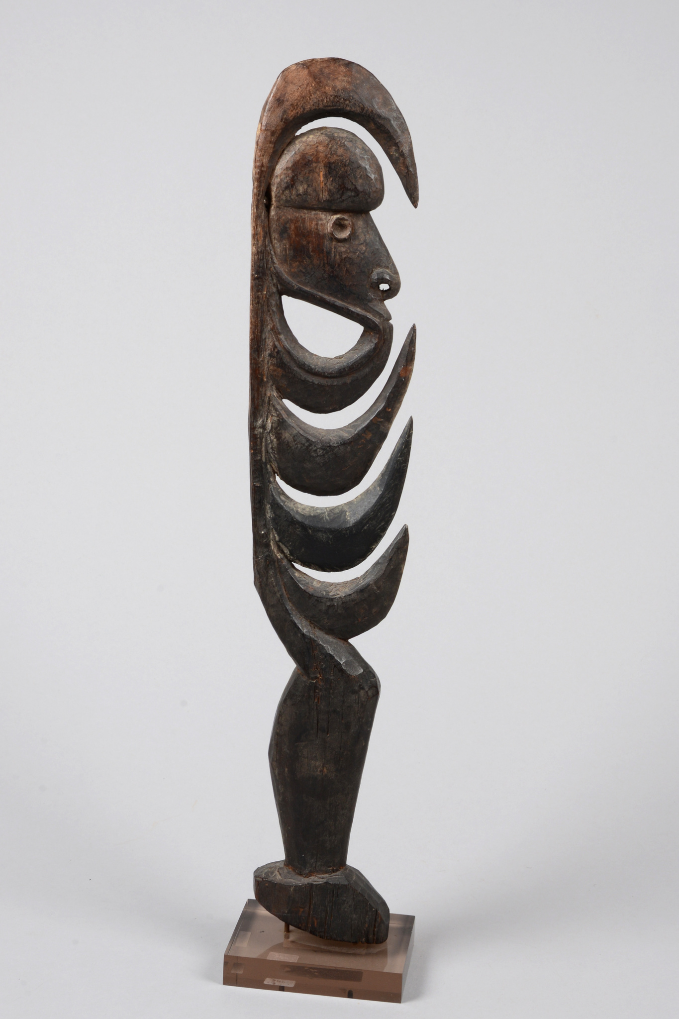 "Cult hook figure ""yipwon"" or ""kamanggabi"""