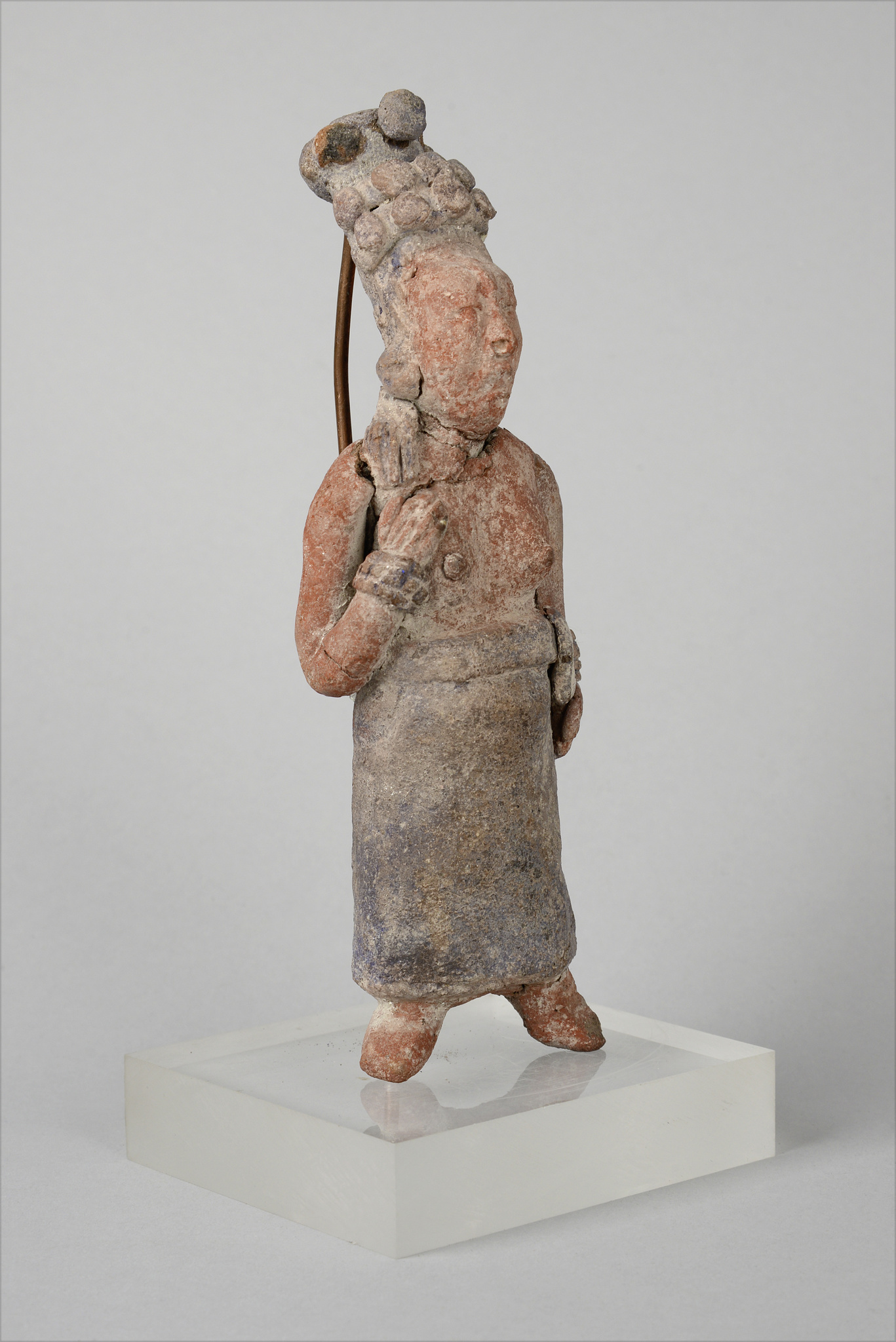 Standing female figure, ca. 500-900 AD