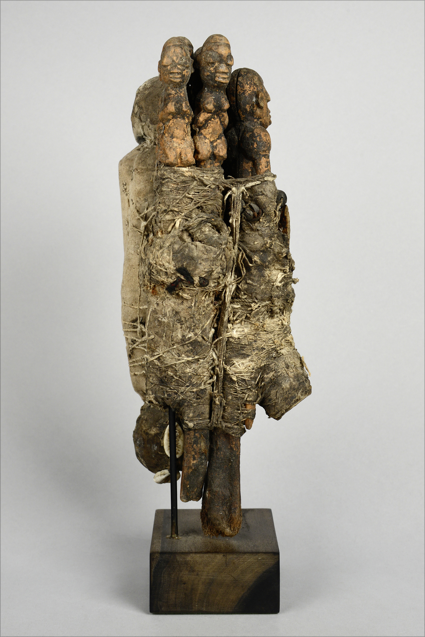"Fetish object ""bochio"" with eight figures"