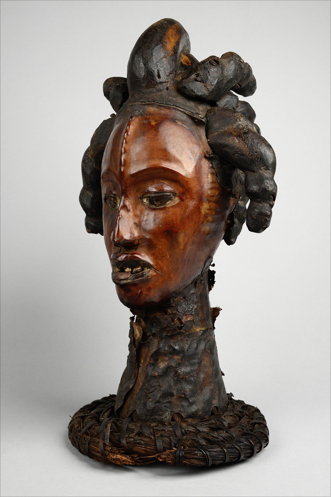Anthropomorphic headdress