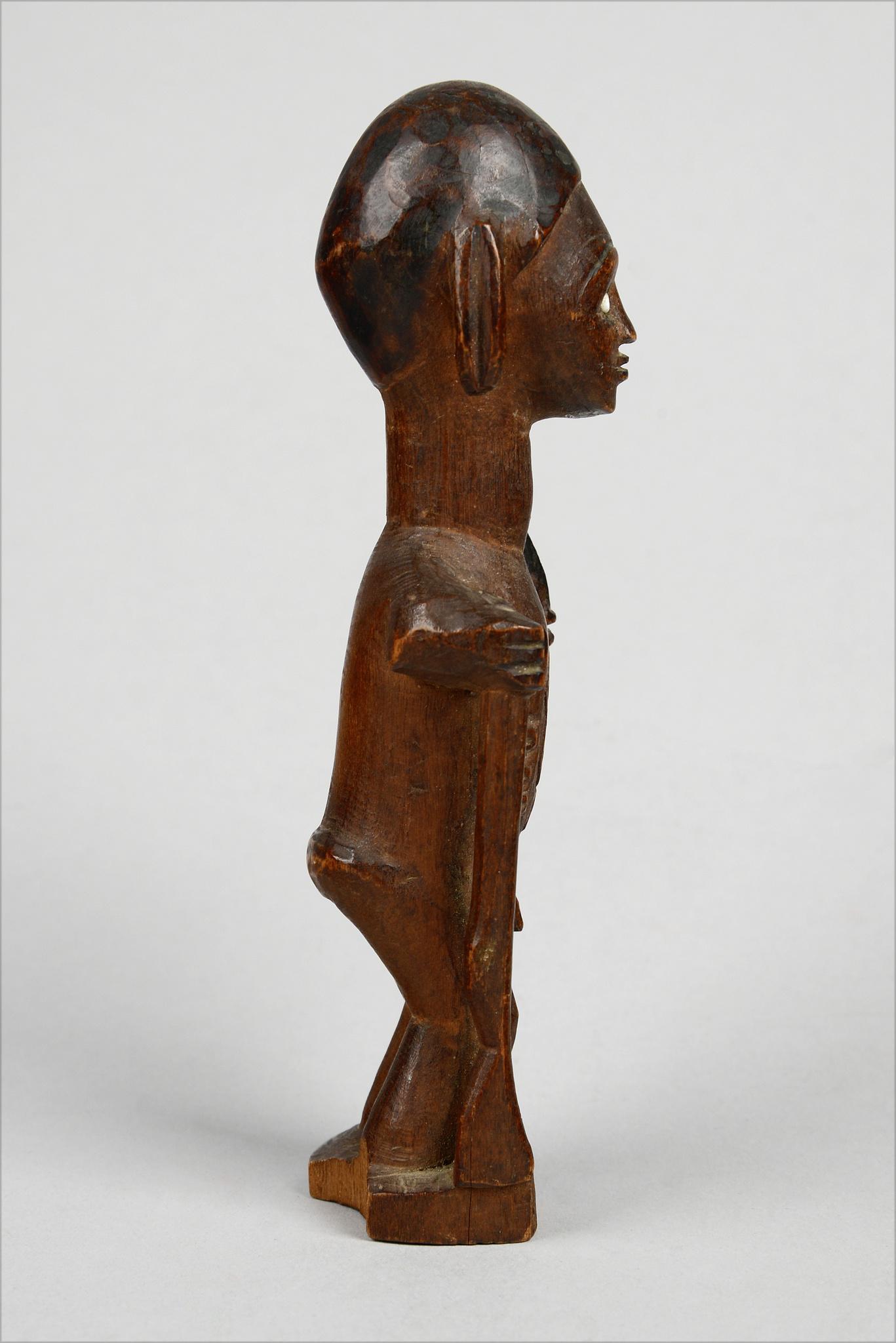 "Standing male figure ""mukuya"""