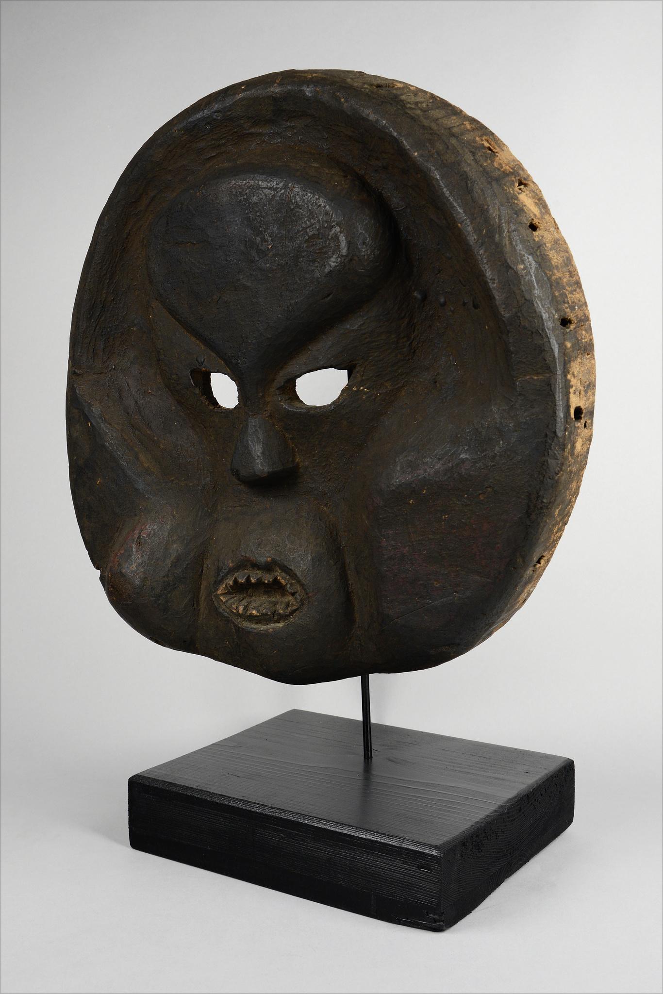 "Große scheibenförmige Deformations-Maske ""idiok ekpo"""