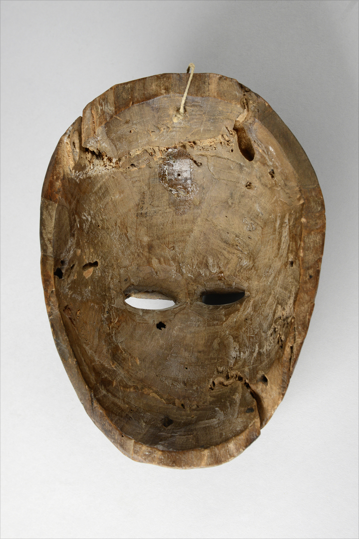 "Anthropomorphic face mask ""mfon ekpo"""