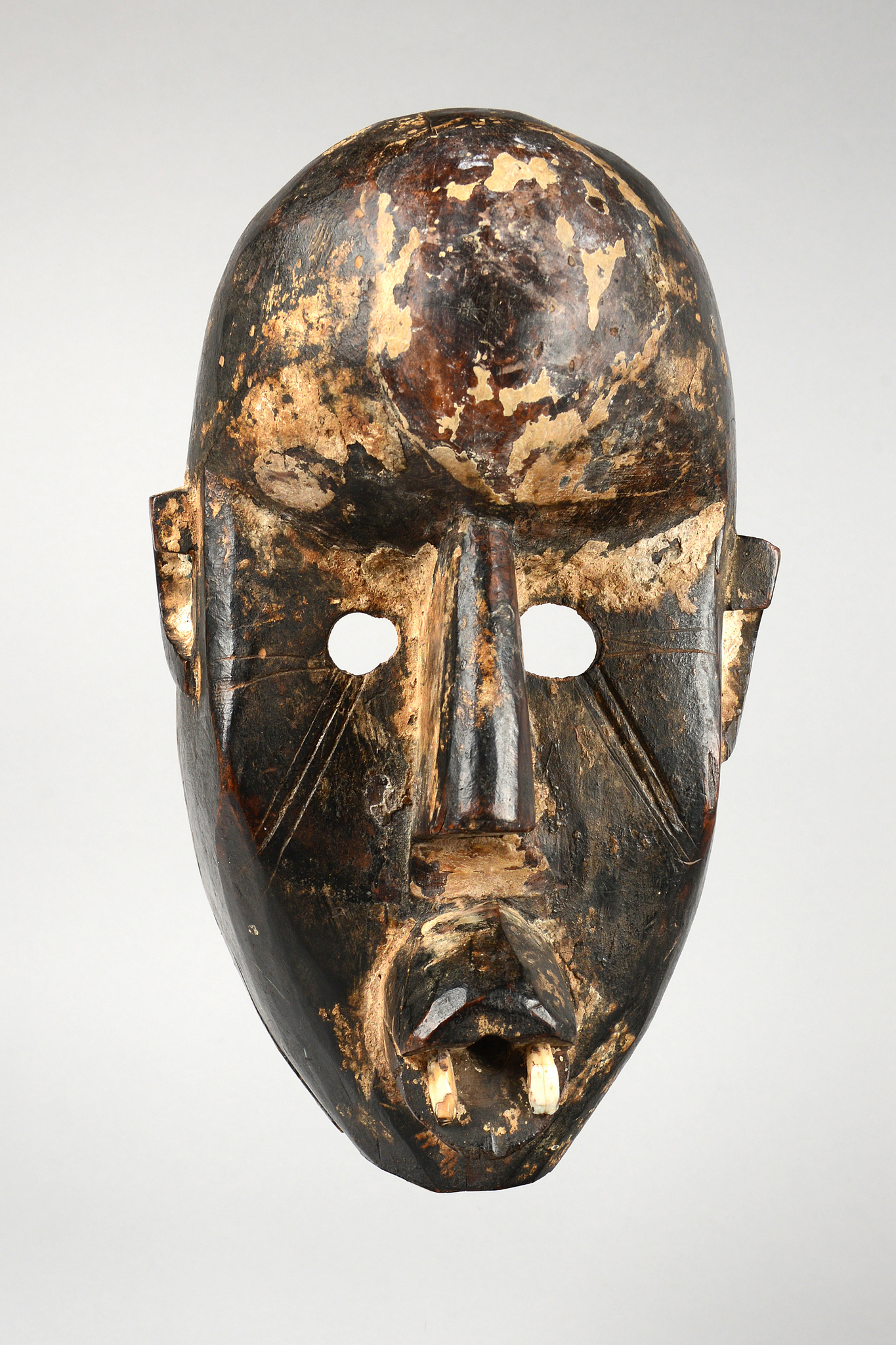 "Rare anthropomorphic face mask ""eku"""