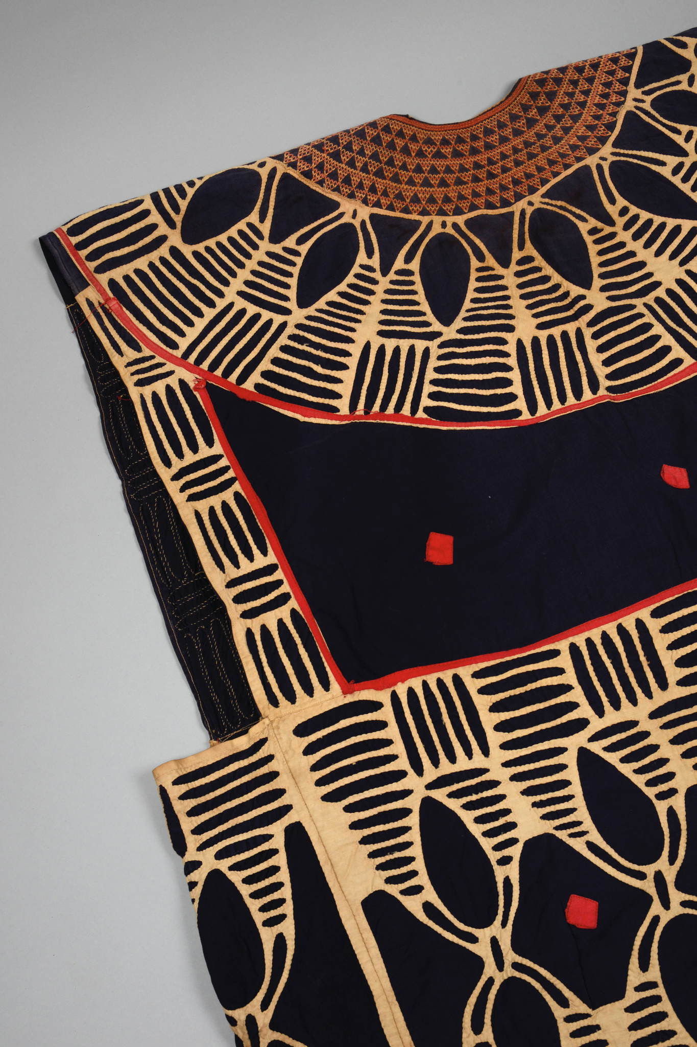 Tunic of a dignitary