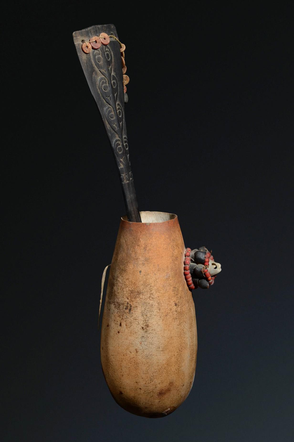 """Lime spatula and lime pot, """"kena"""" and """"yaguma"""", 19th/ 20th century"""
