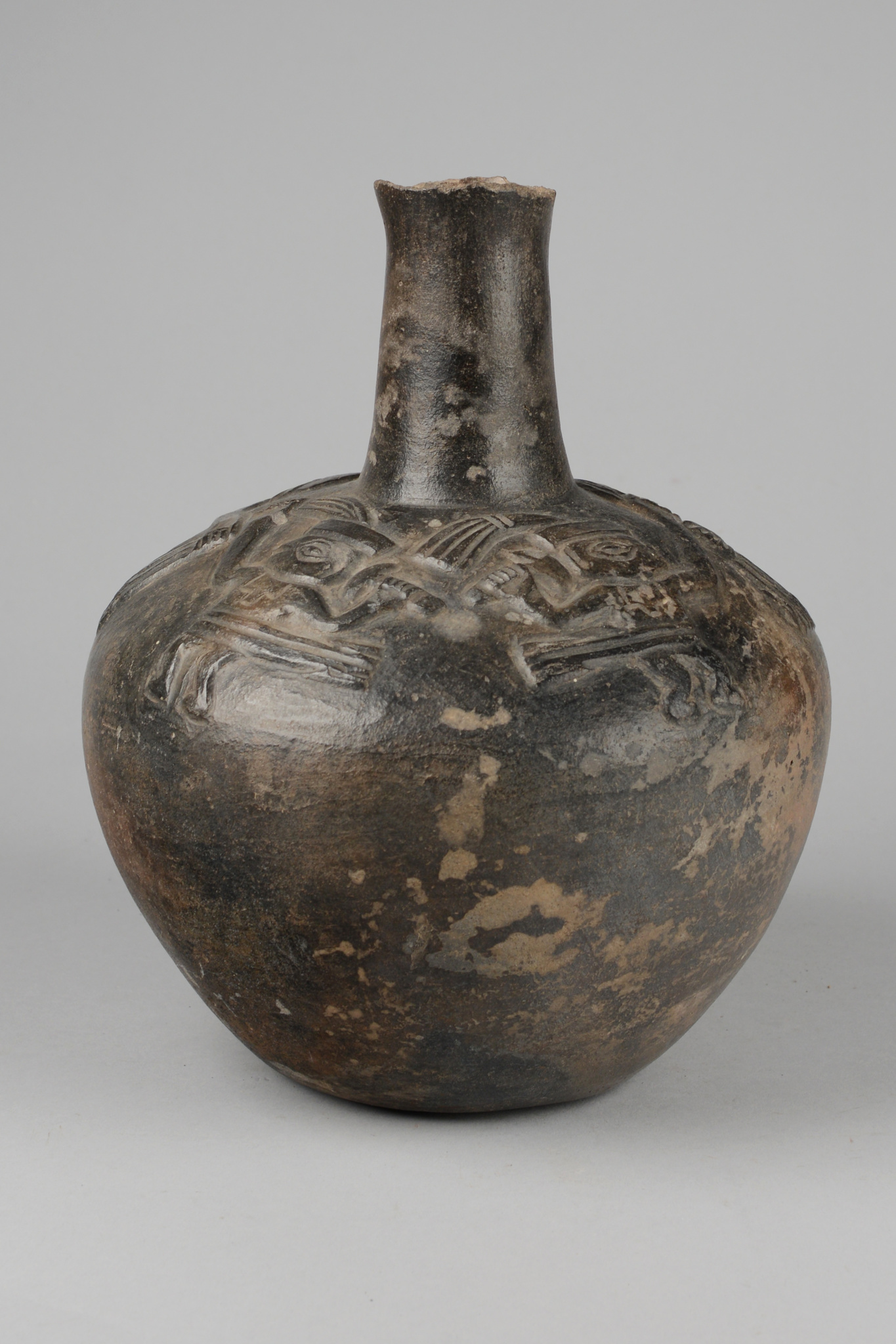 Bellied vessel with figure frieze