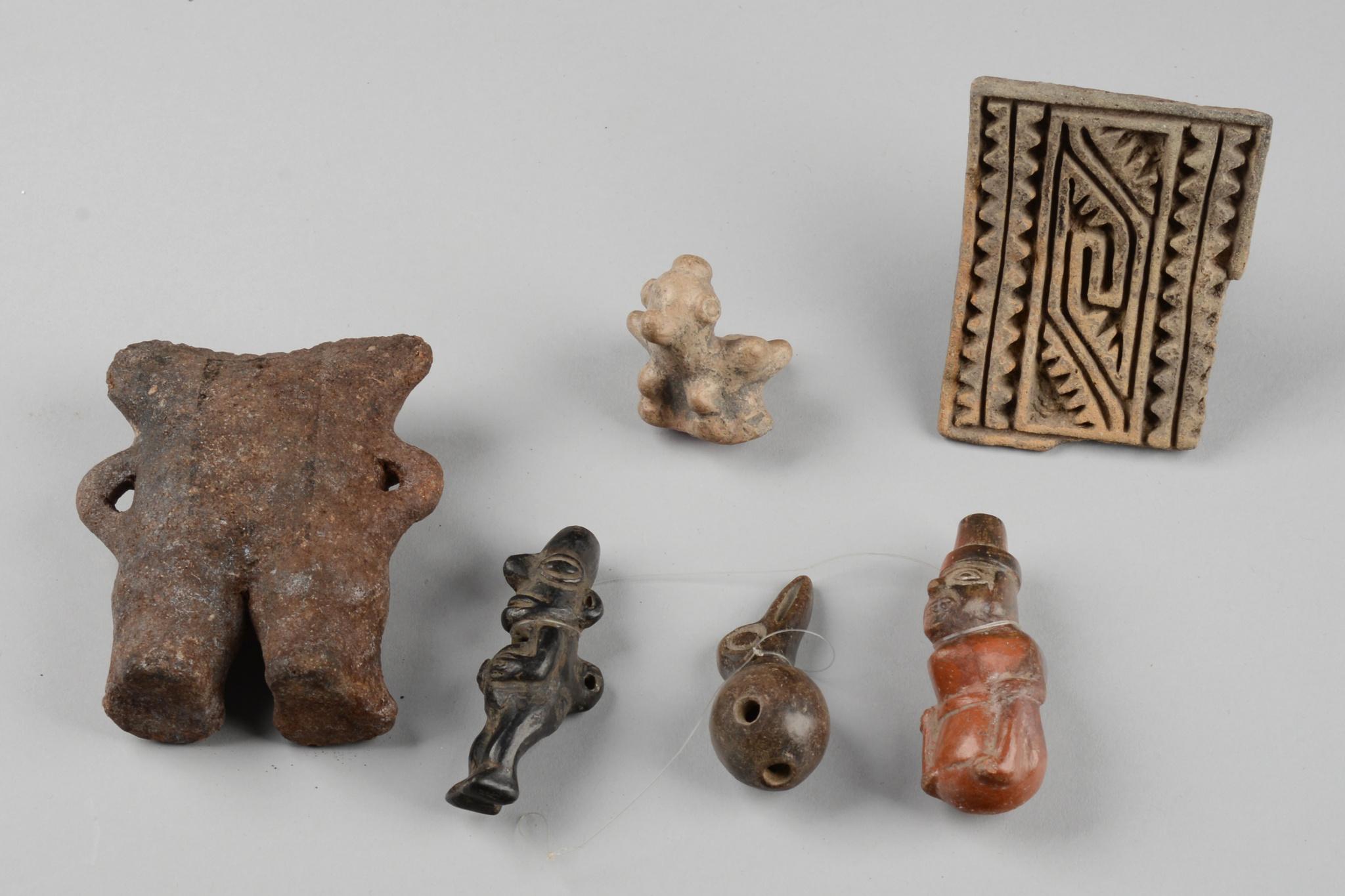 Convolute pre-Columbian artifacts