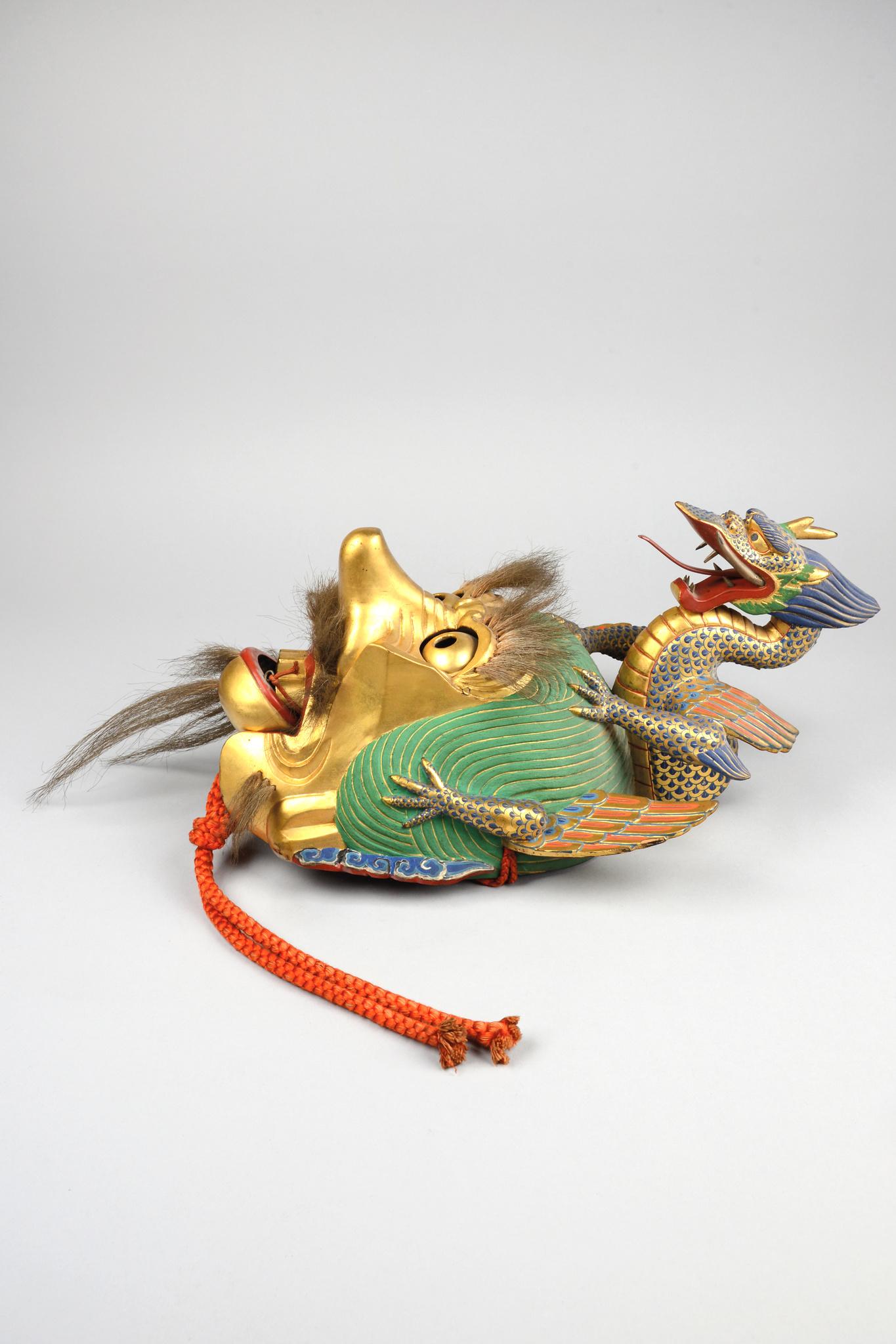 """Mask """"rangryo"""" for the """"bugaku"""" dance"""