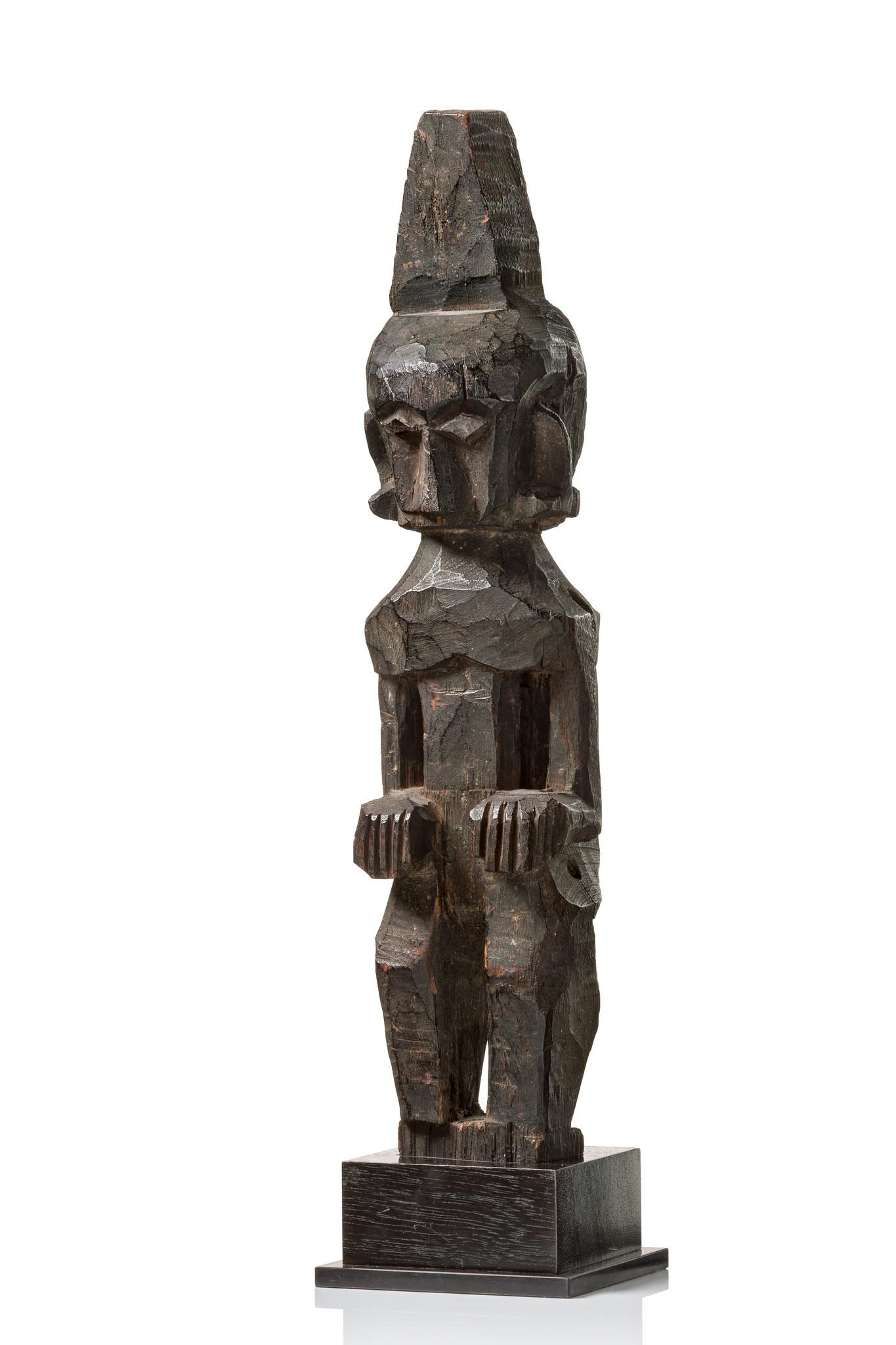 """Ancestor figure """"adu zatua"""""""