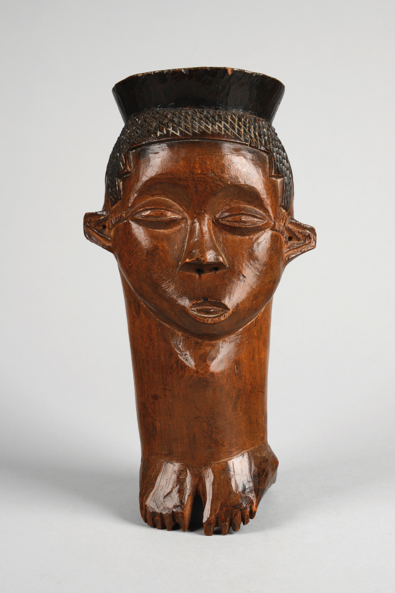 Anthropomorphic palm wine cup