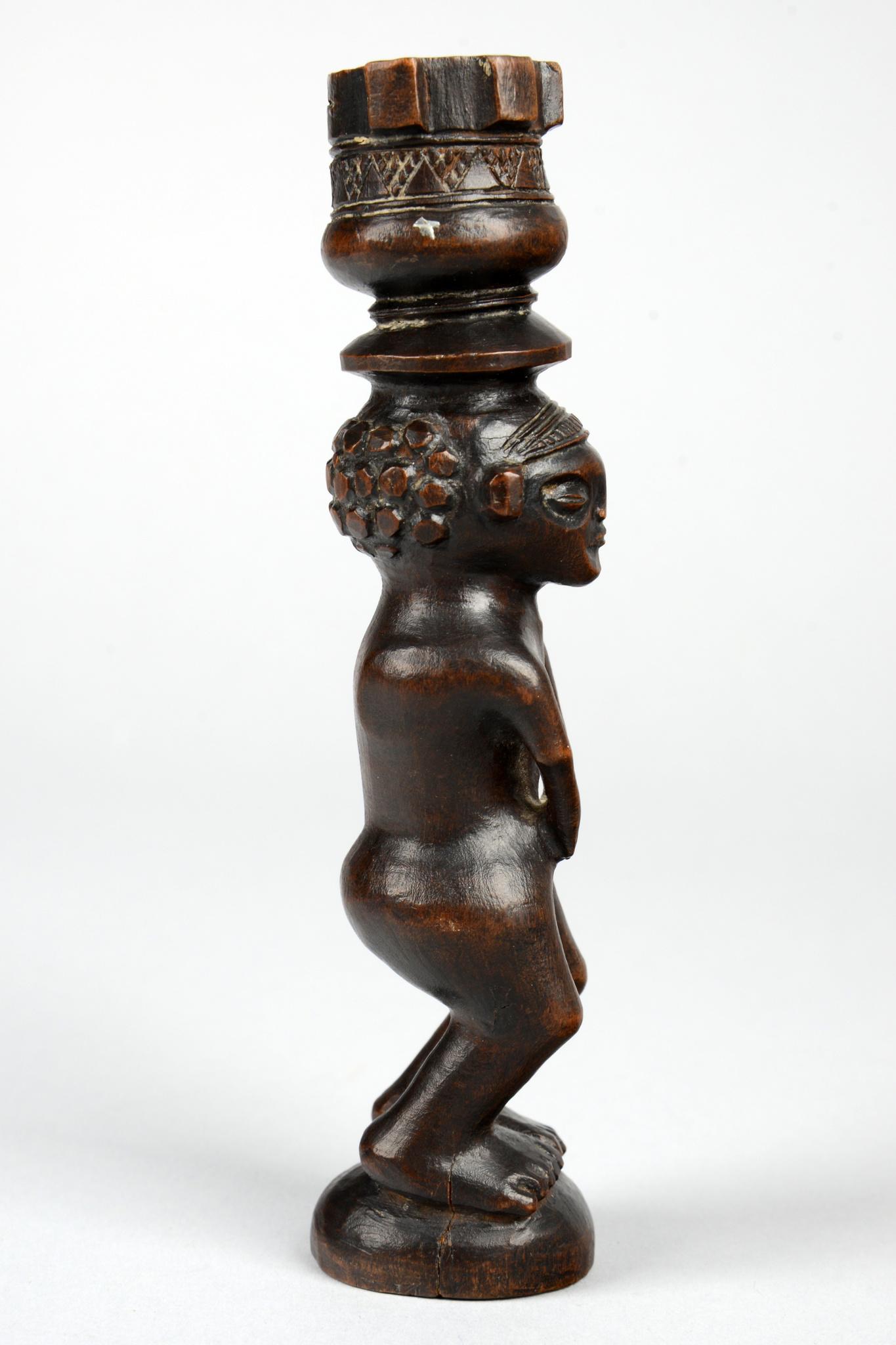 Figural tobacco mortar