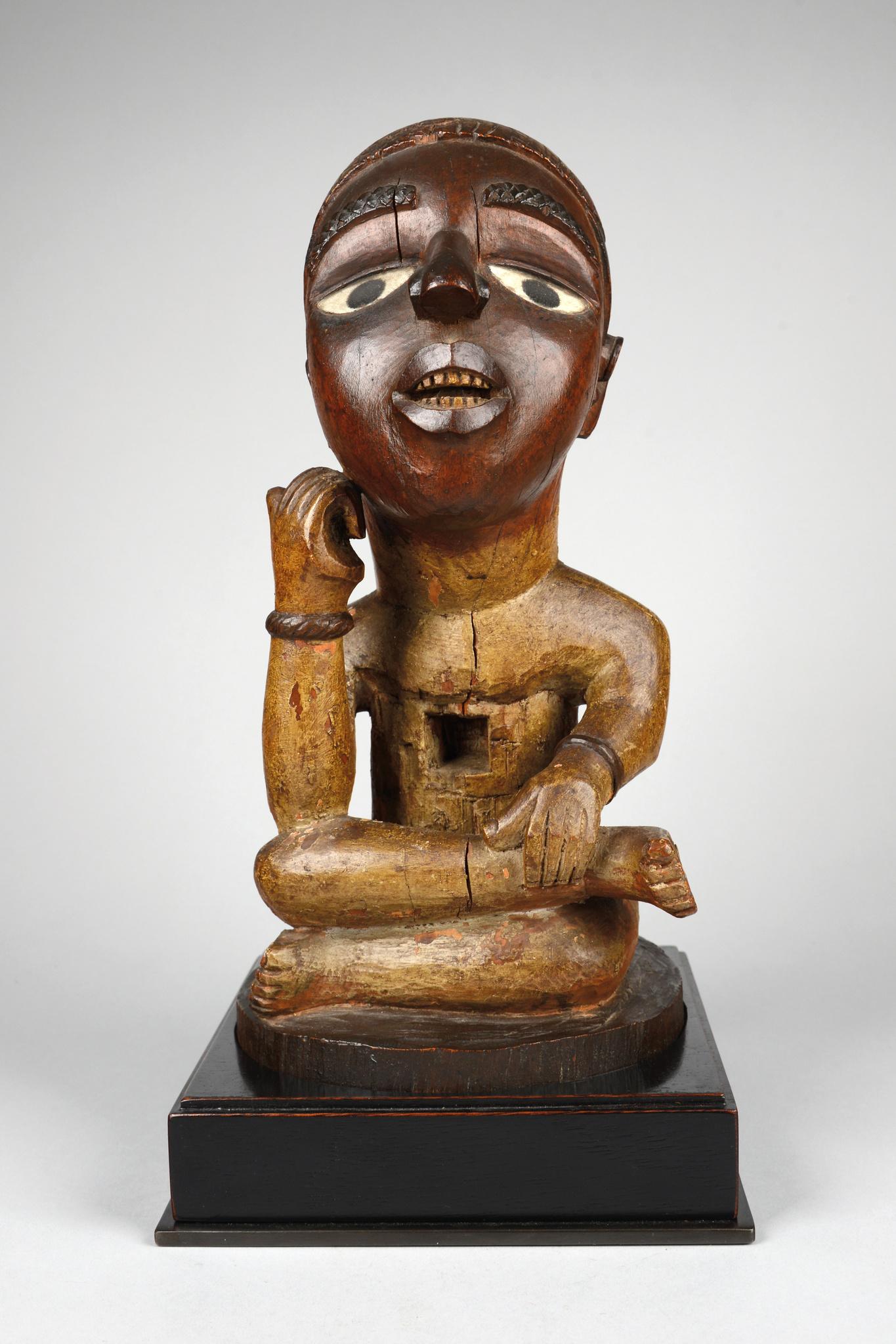 """Männliche Zauberfigur """"nkisi"""" oder Gedenkfigur, vor 1914"""