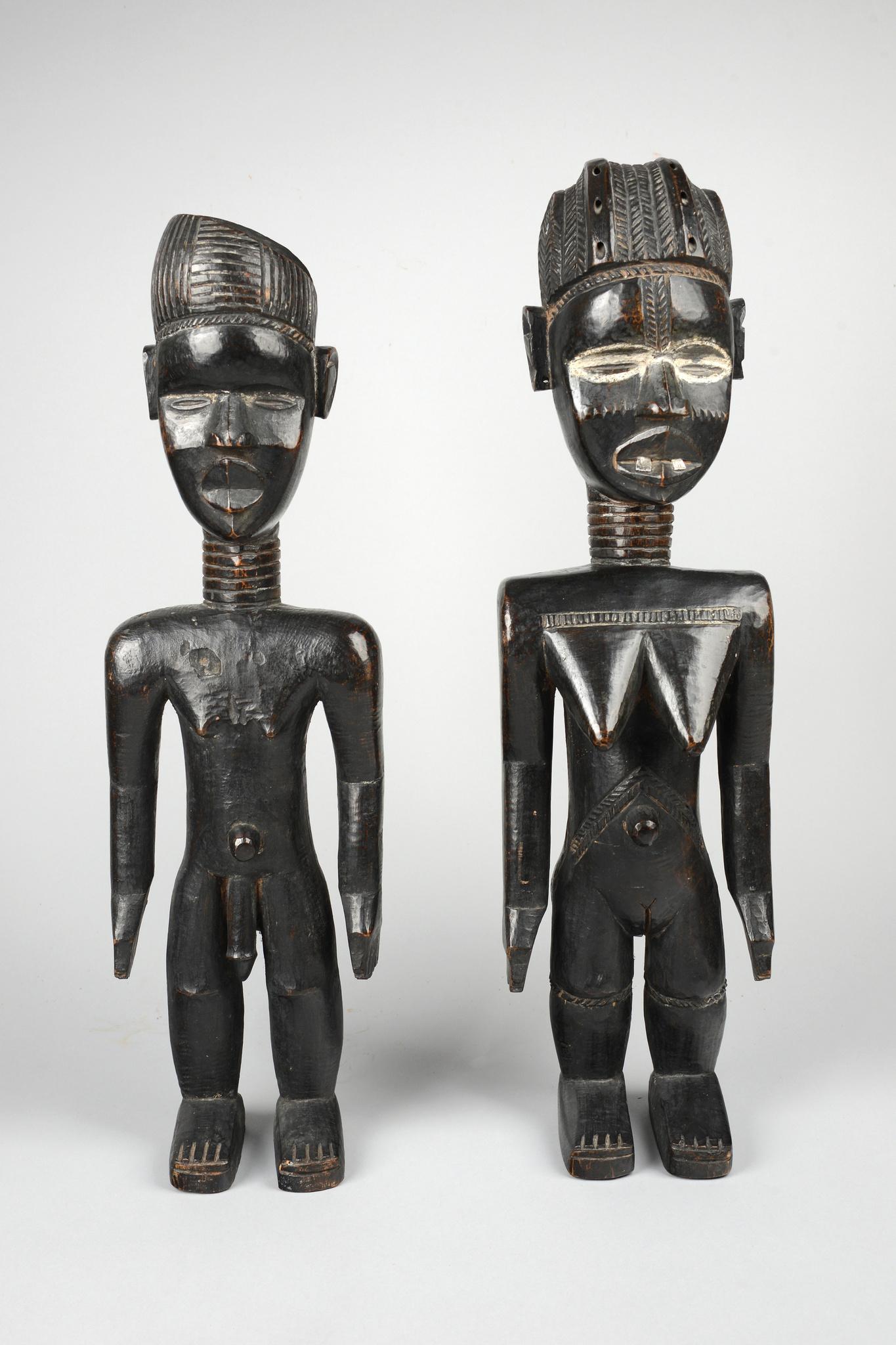 """Pair of figures """"lü mä"""""""