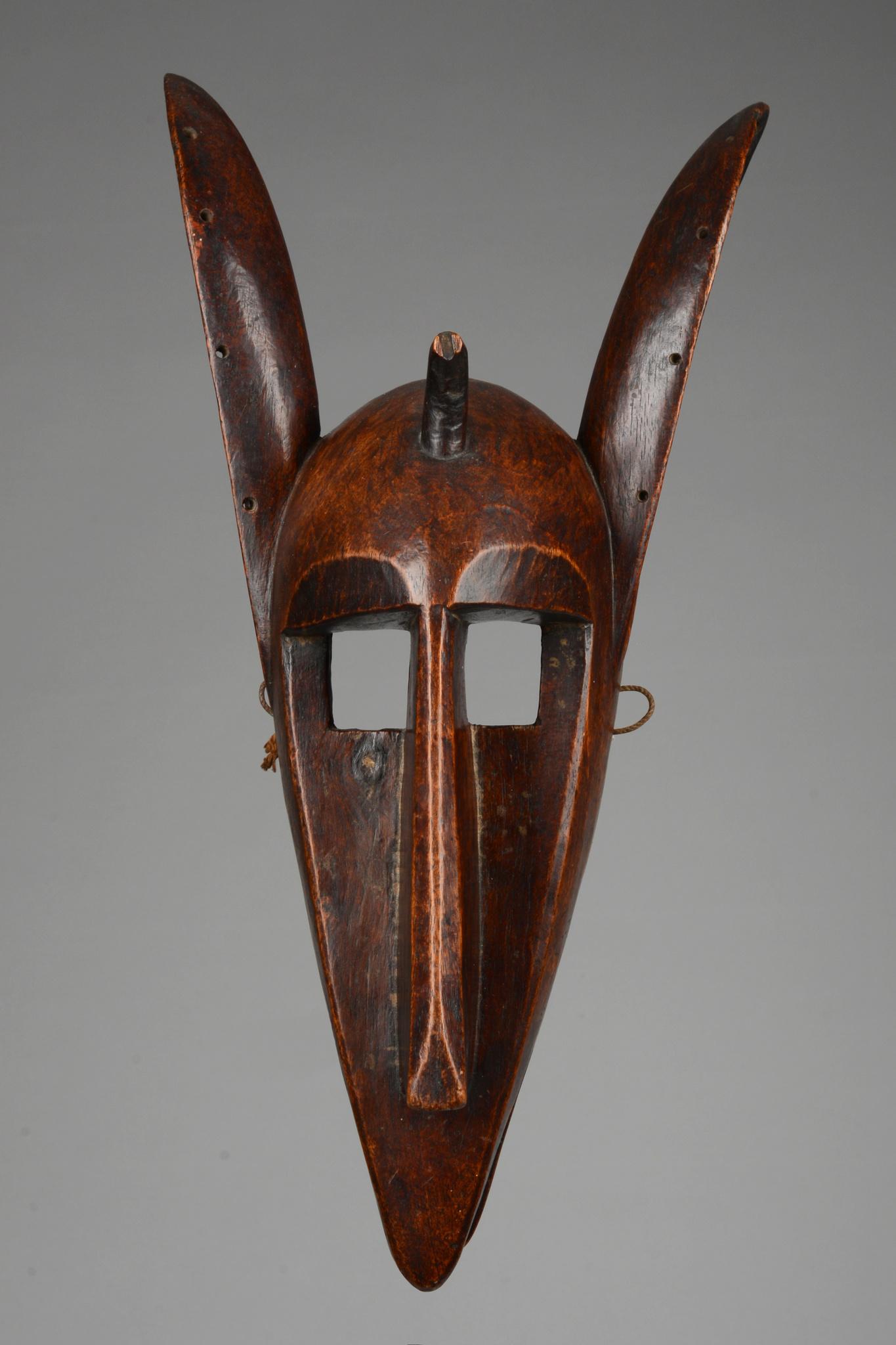 """Hyaena mask """"suruku"""" of the """"korè"""" society"""