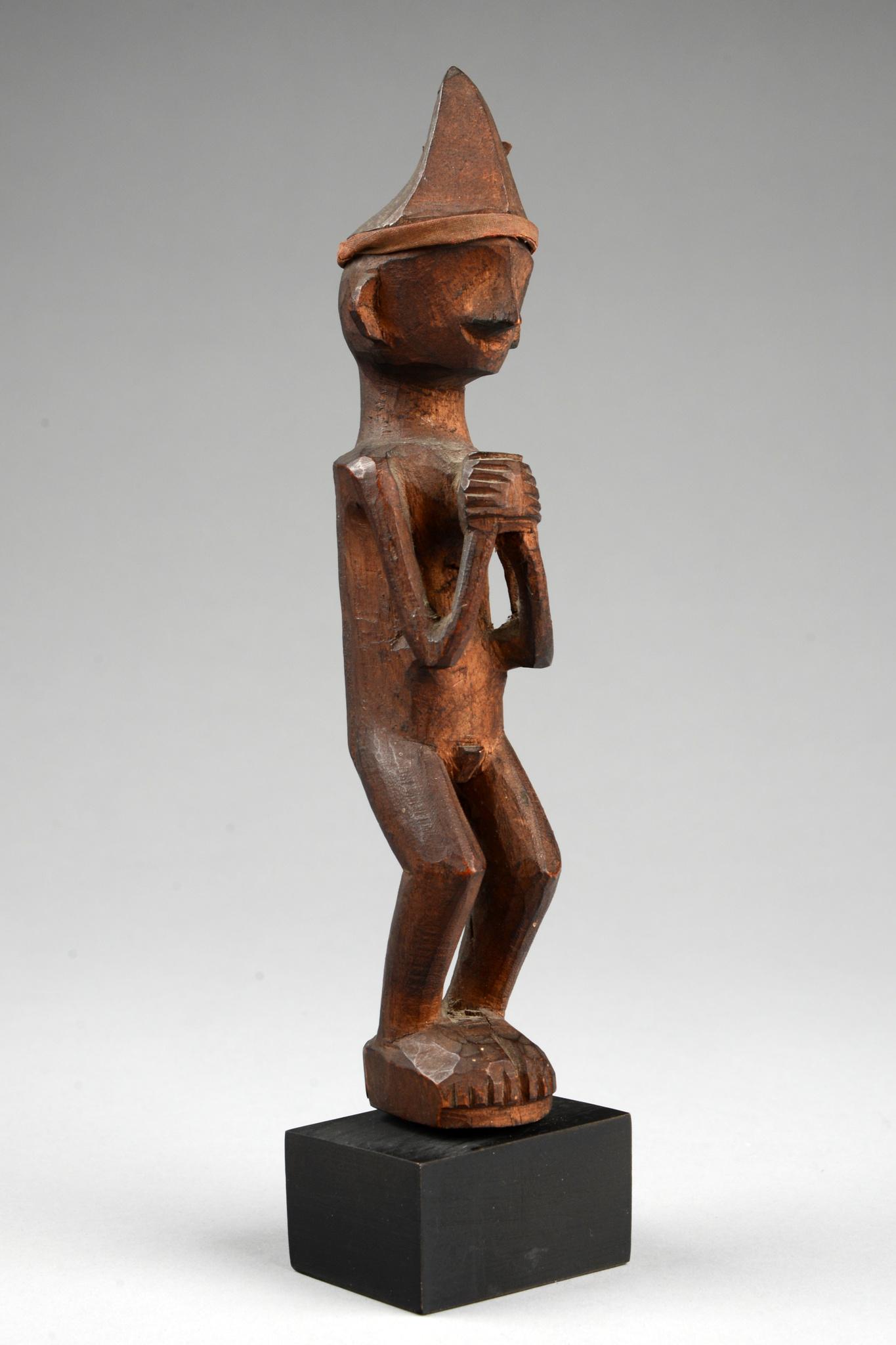 """Male ancestor figure """"adu zatua"""