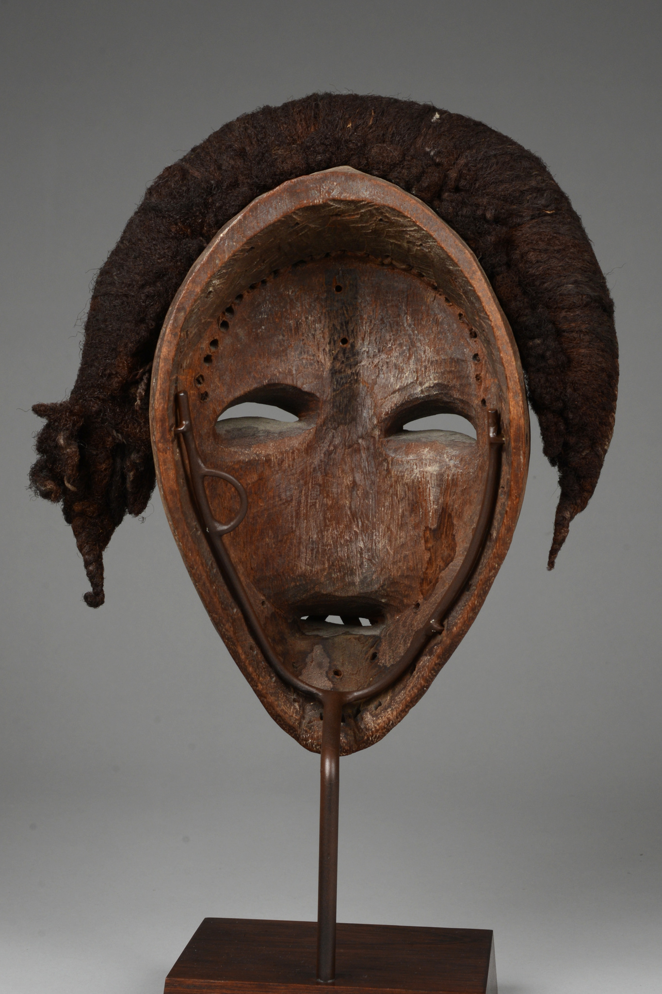 "Anthropomorphic mask ""deangle"" or ""tankagle"""