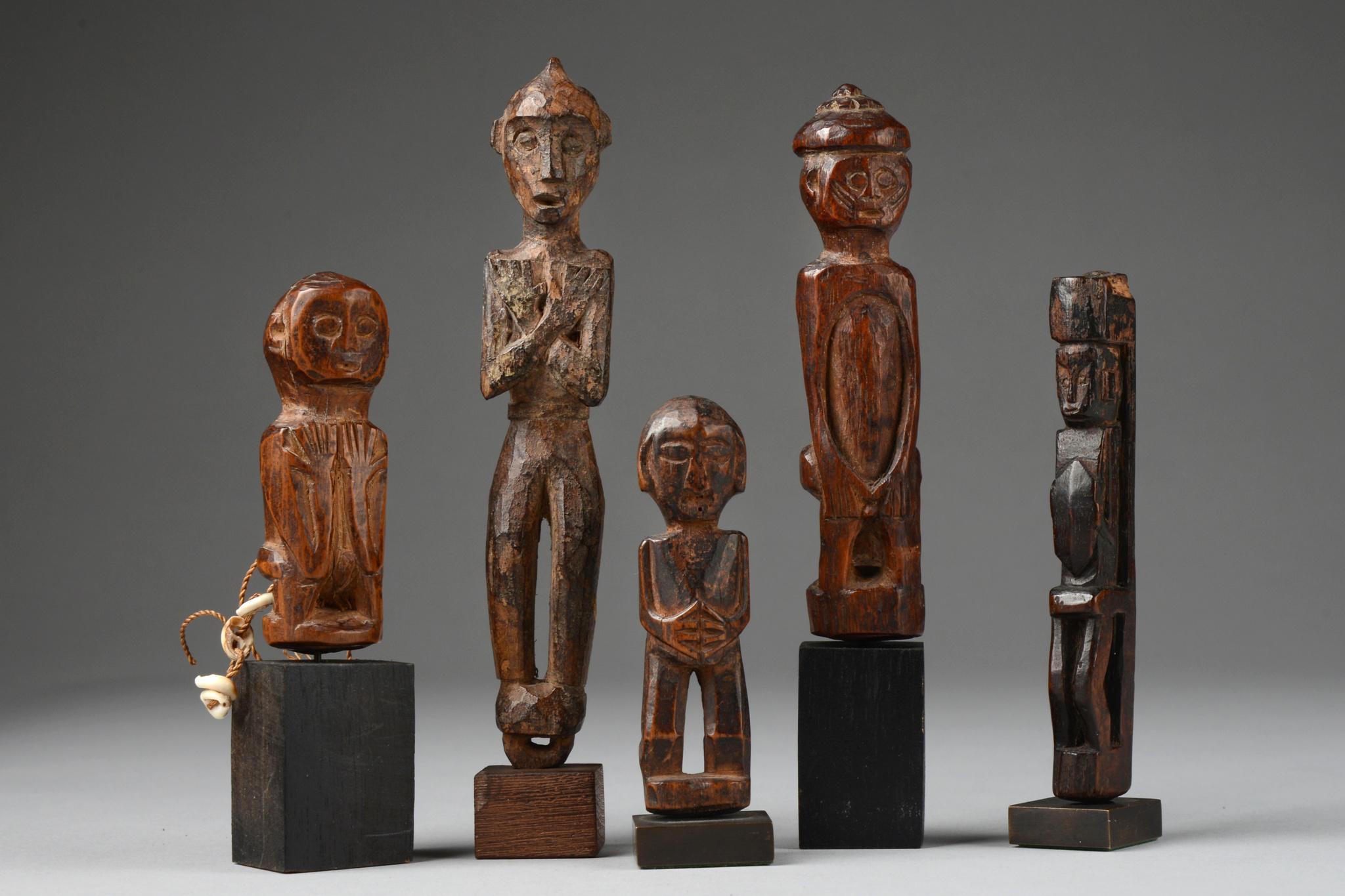 Fünf Amulettfiguren