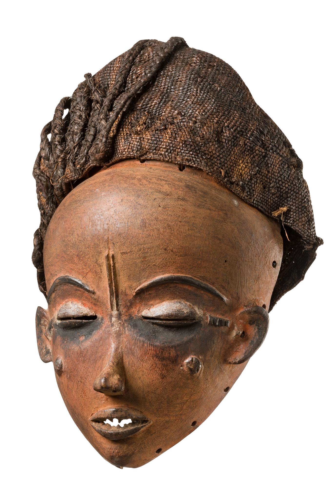 """Beautiful female face mask """"mbuya ya mukhetu"""" (or """"gambanda / kambanda"""")"""